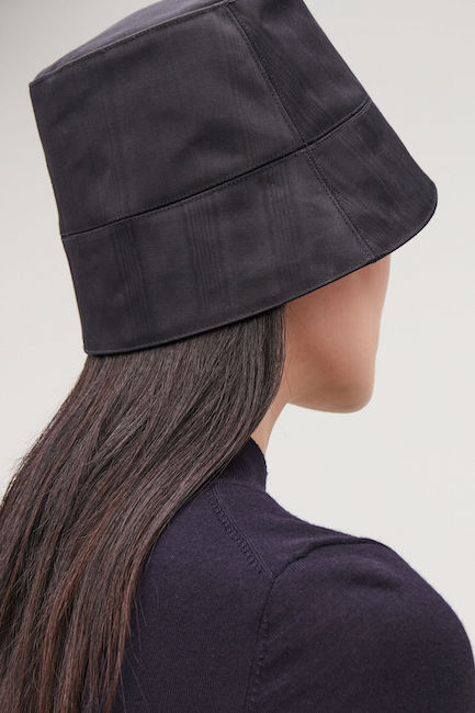 COS / MOIRE BUCKET HAT $69 -