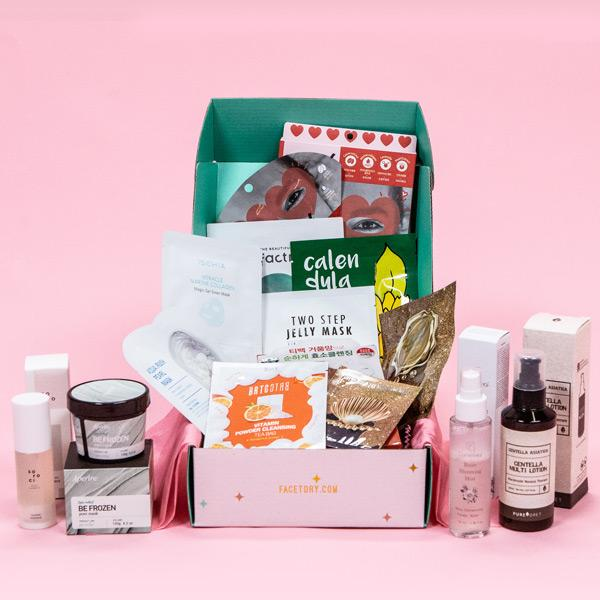 FACETORY / LUX PLUS $49.95 (WAS $160) - THE PERFECT SUBSCRIPTION BOX FOR THOSE DEVOTED TO KOREAN SKINCARE.