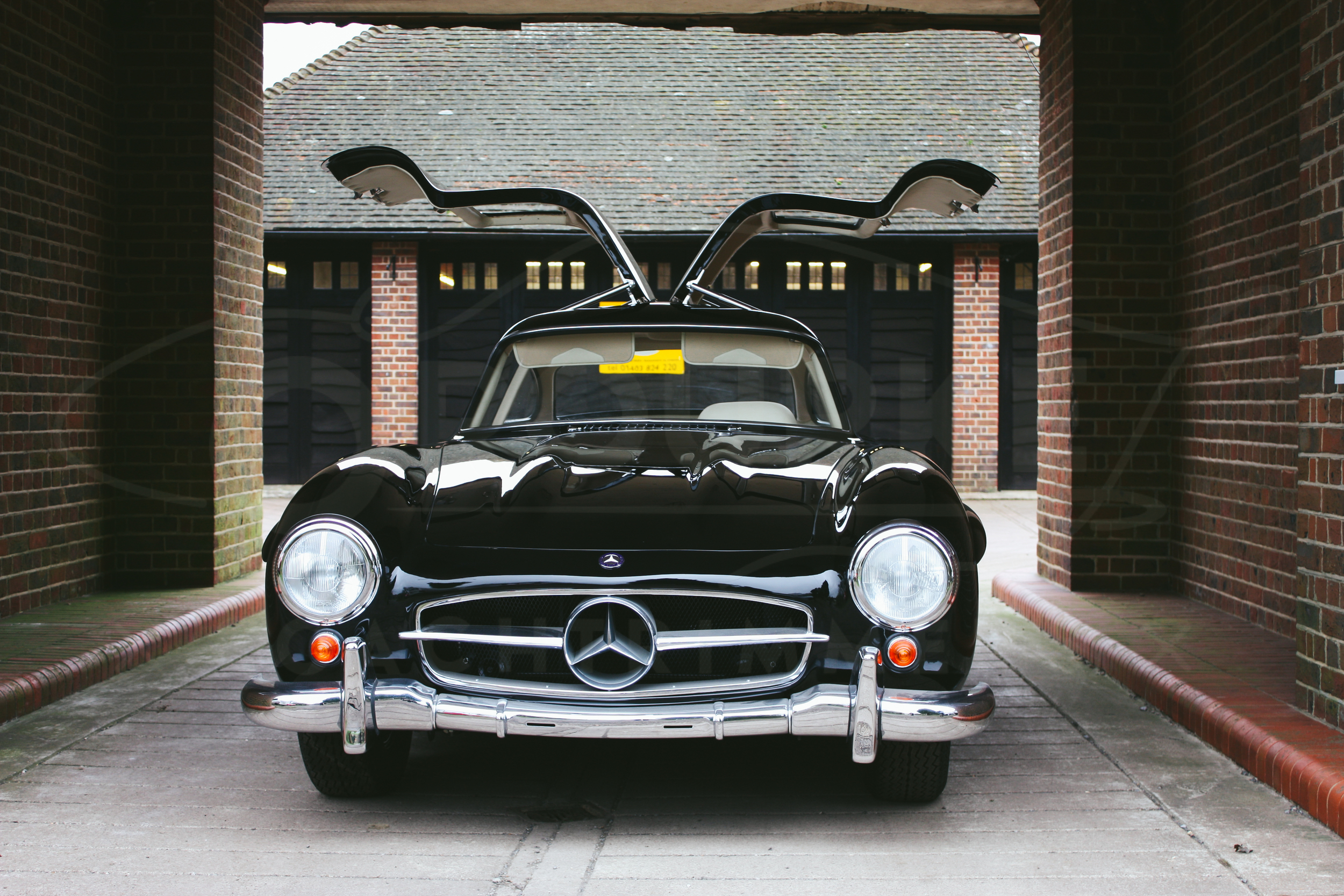 o-rourke-coachtrimmers-mercedes-gullwing-300-sl-1-0-2.jpg