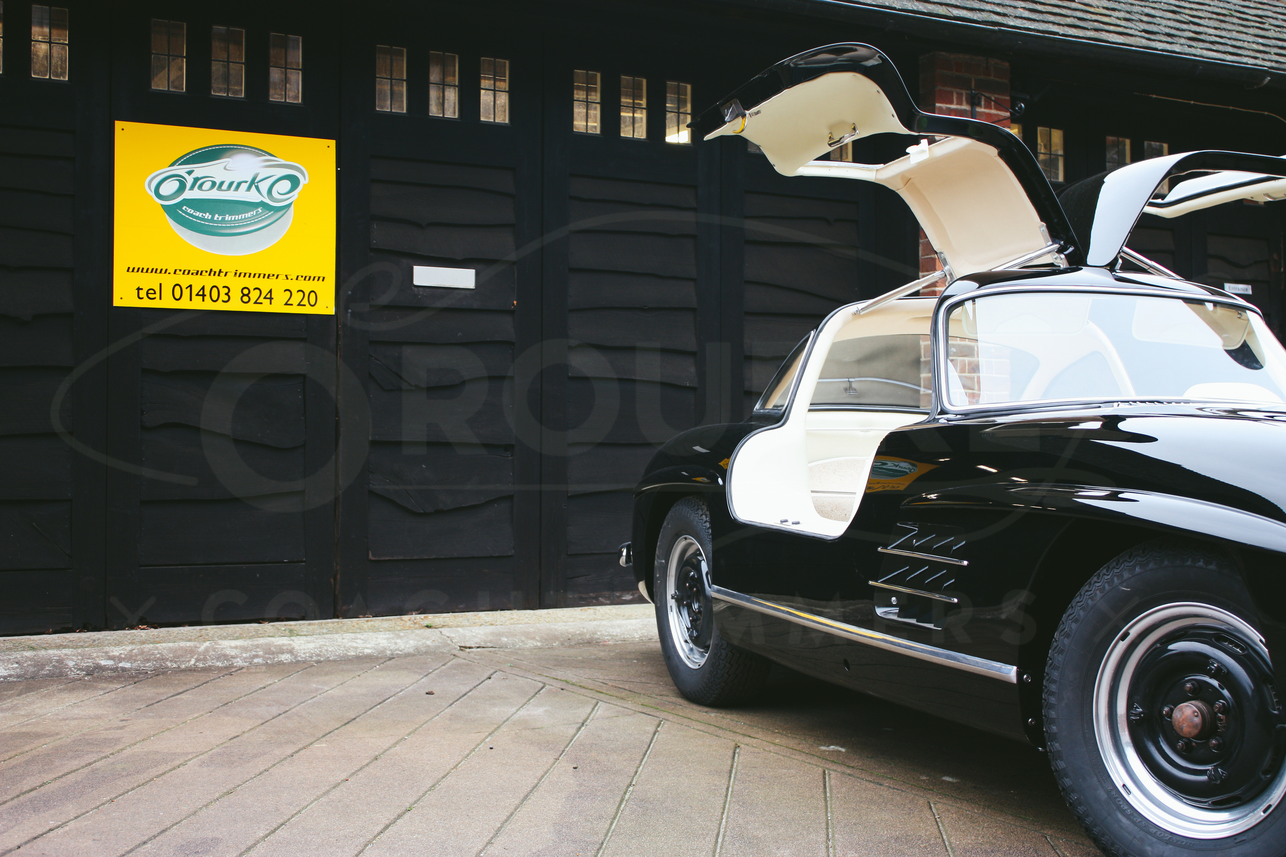 o-rourke-coachtrimmers-mercedes-gullwing-300-sl-1-0-4.jpg