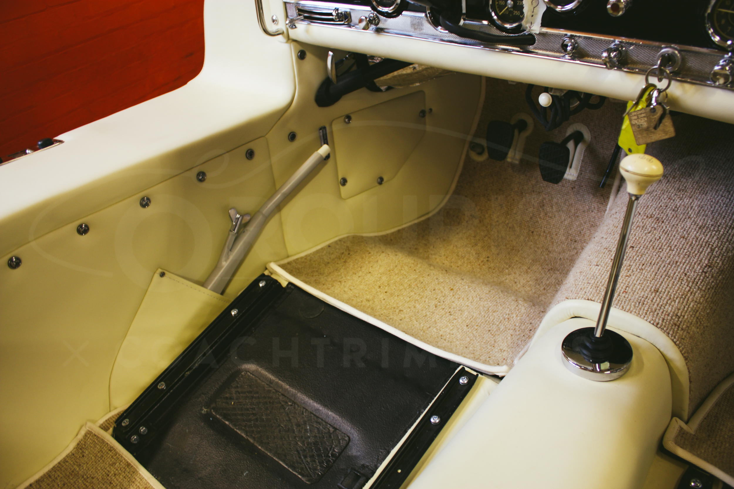 o-rourke-coachtrimmers-mercedes-gullwing-300-sl-1-0-7.jpg