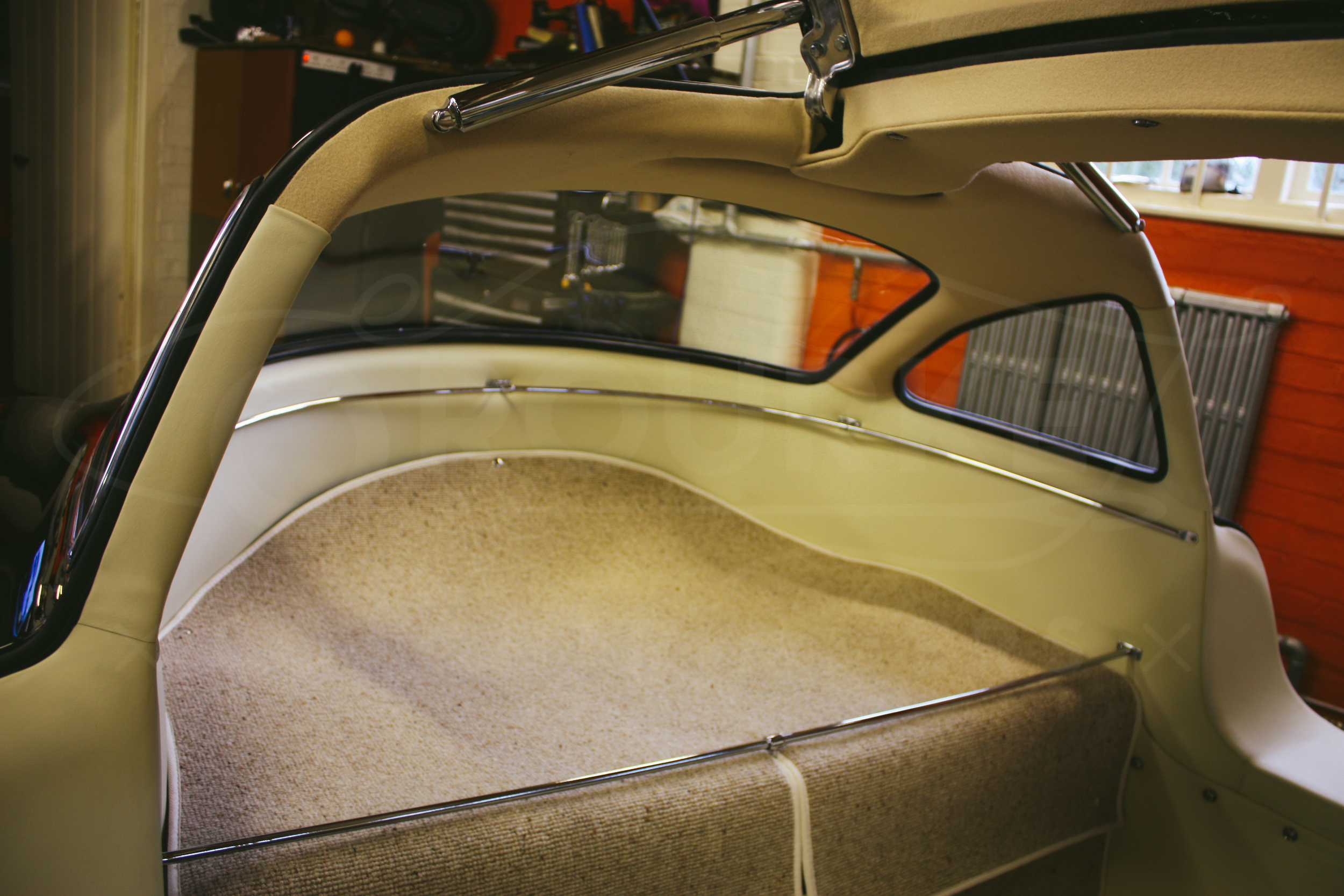 o-rourke-coachtrimmers-mercedes-gullwing-300-sl-1-0-8.jpg