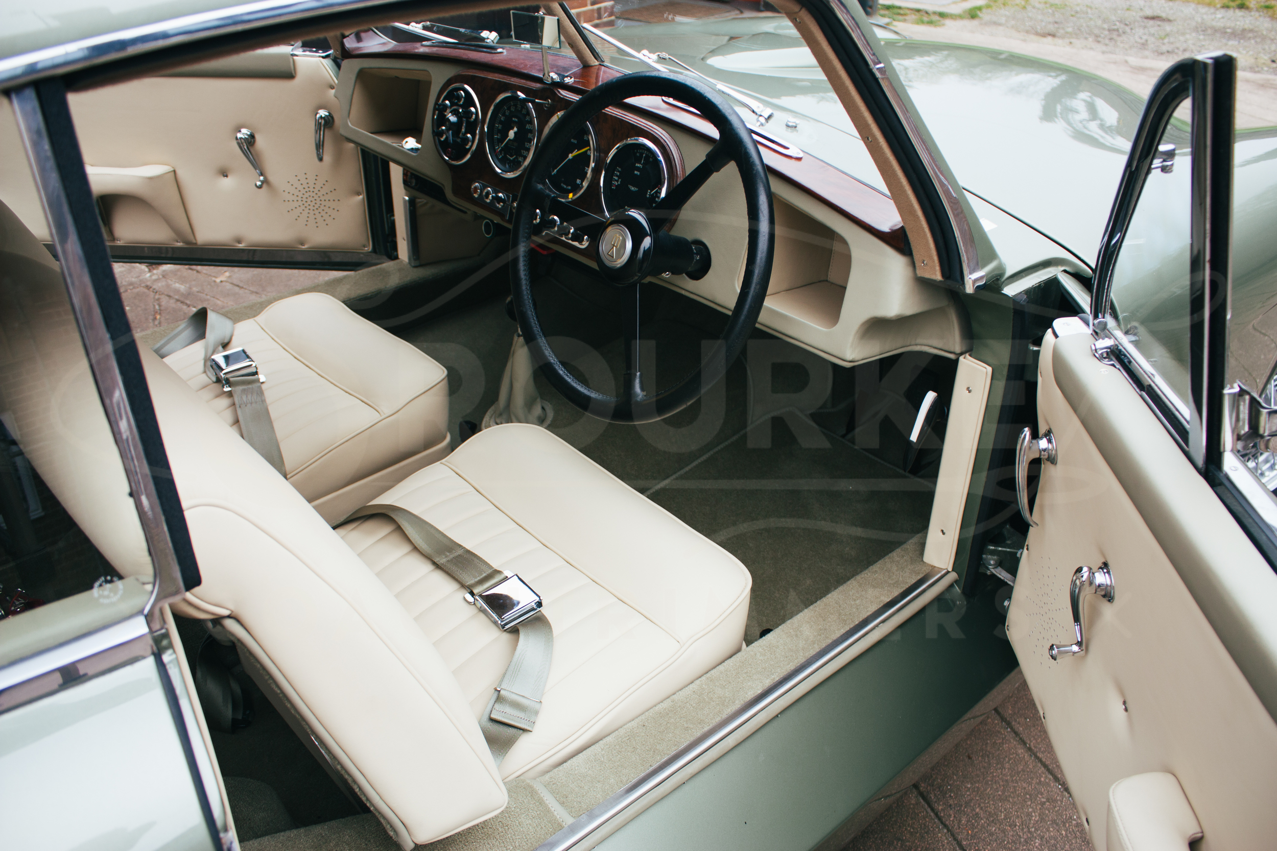 o-rourke-coachtrimmers-aston-martin-db2-5.jpg