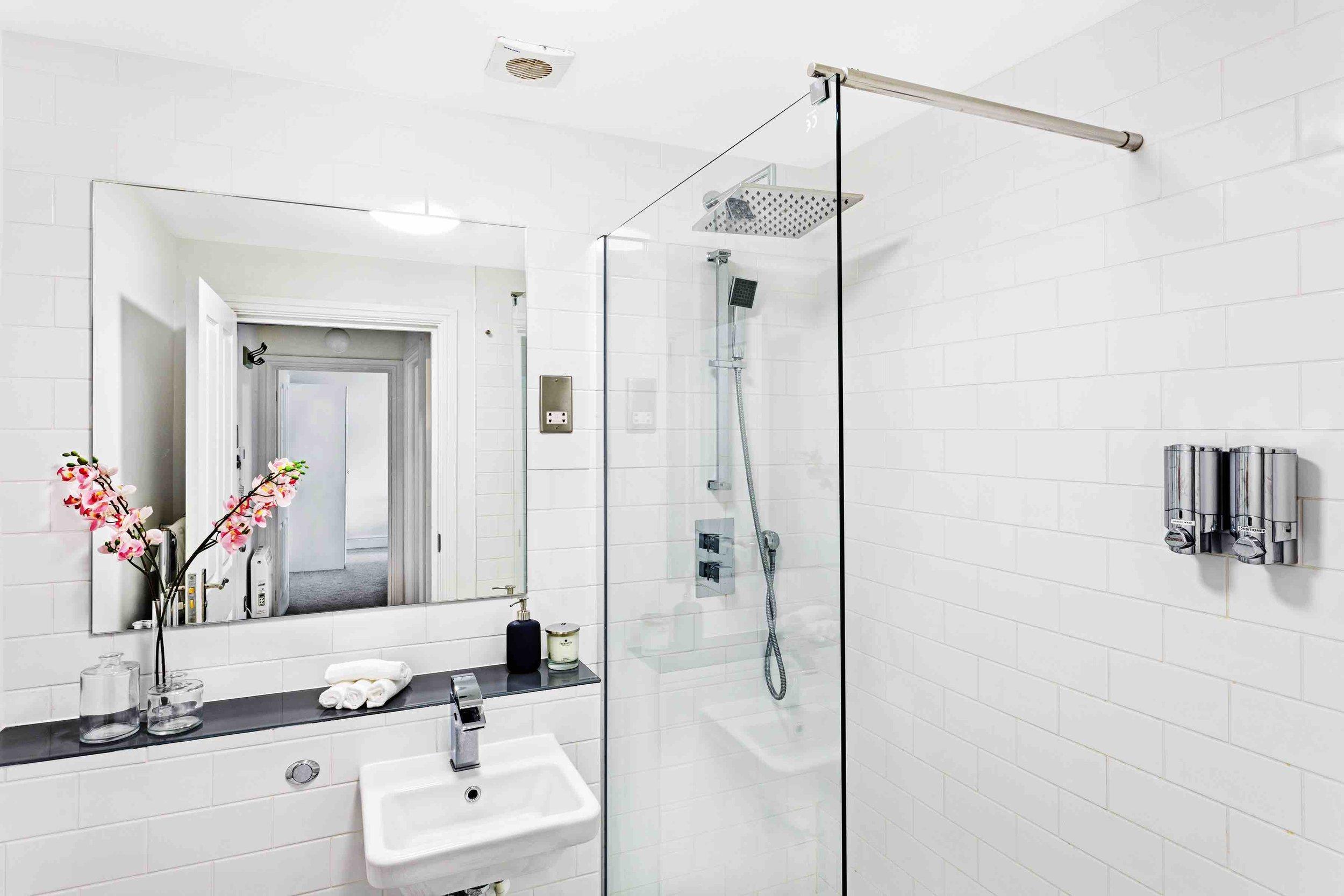 040 BC3 Bathroom a.jpg