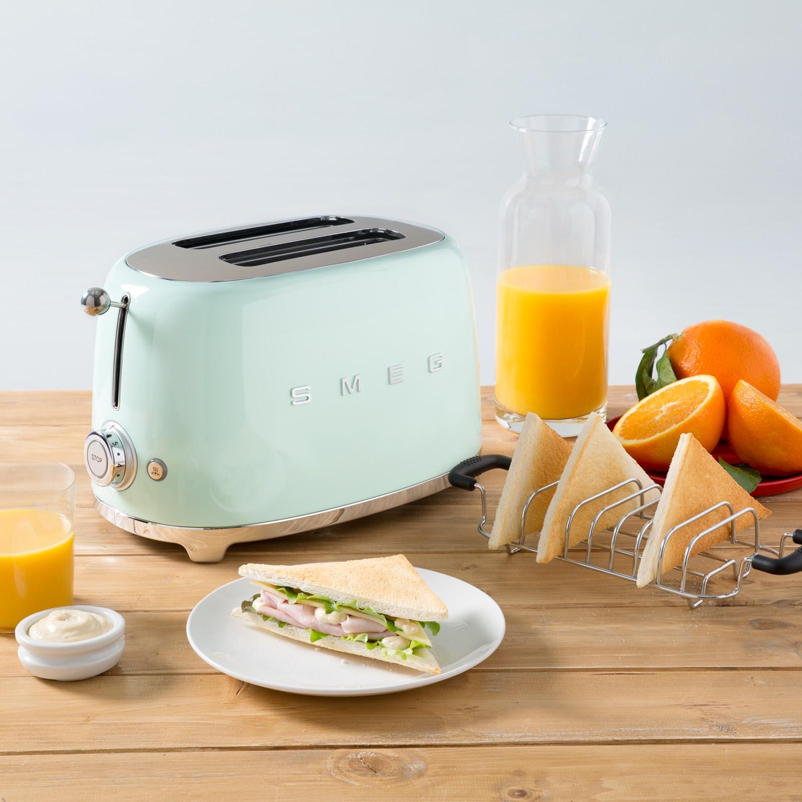 smeg_2slice_toaster_pastelgreen.jpg