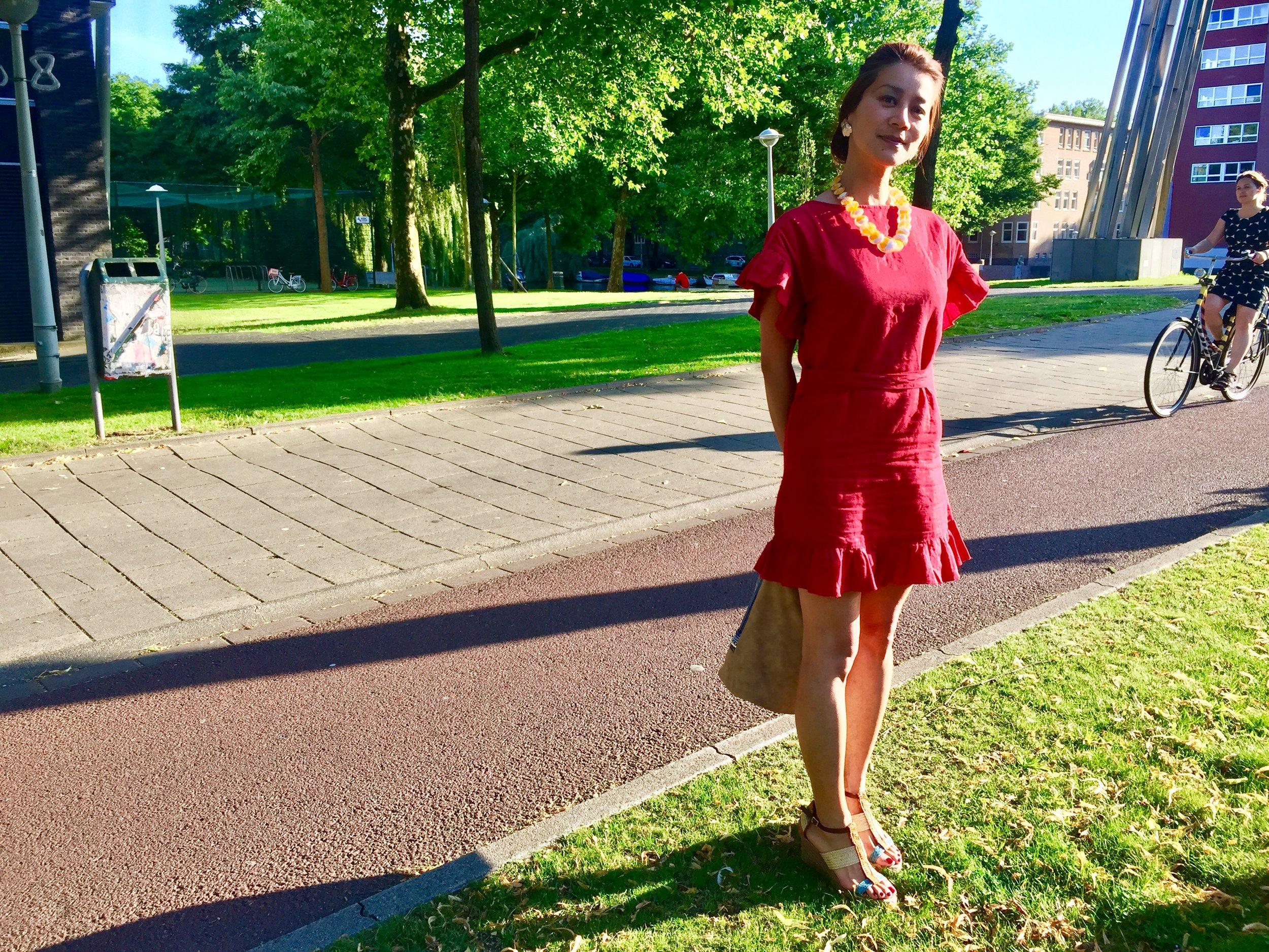 Megumi Nachev @ Club Lite  クラブライトの前で。アムステルダム。
