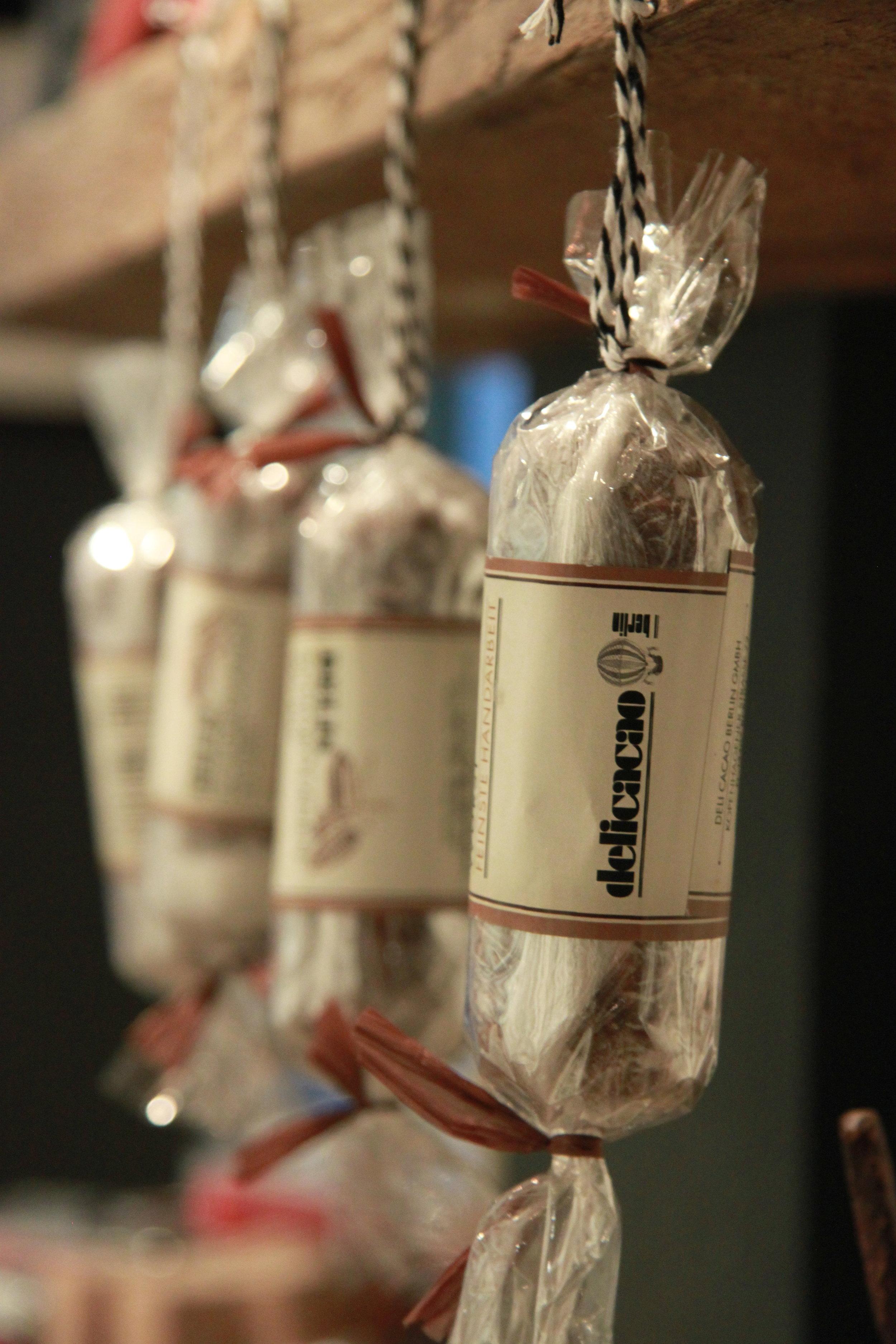 ドイツ製(ベルリン)サラミの形をしたチョコレート Delicacao