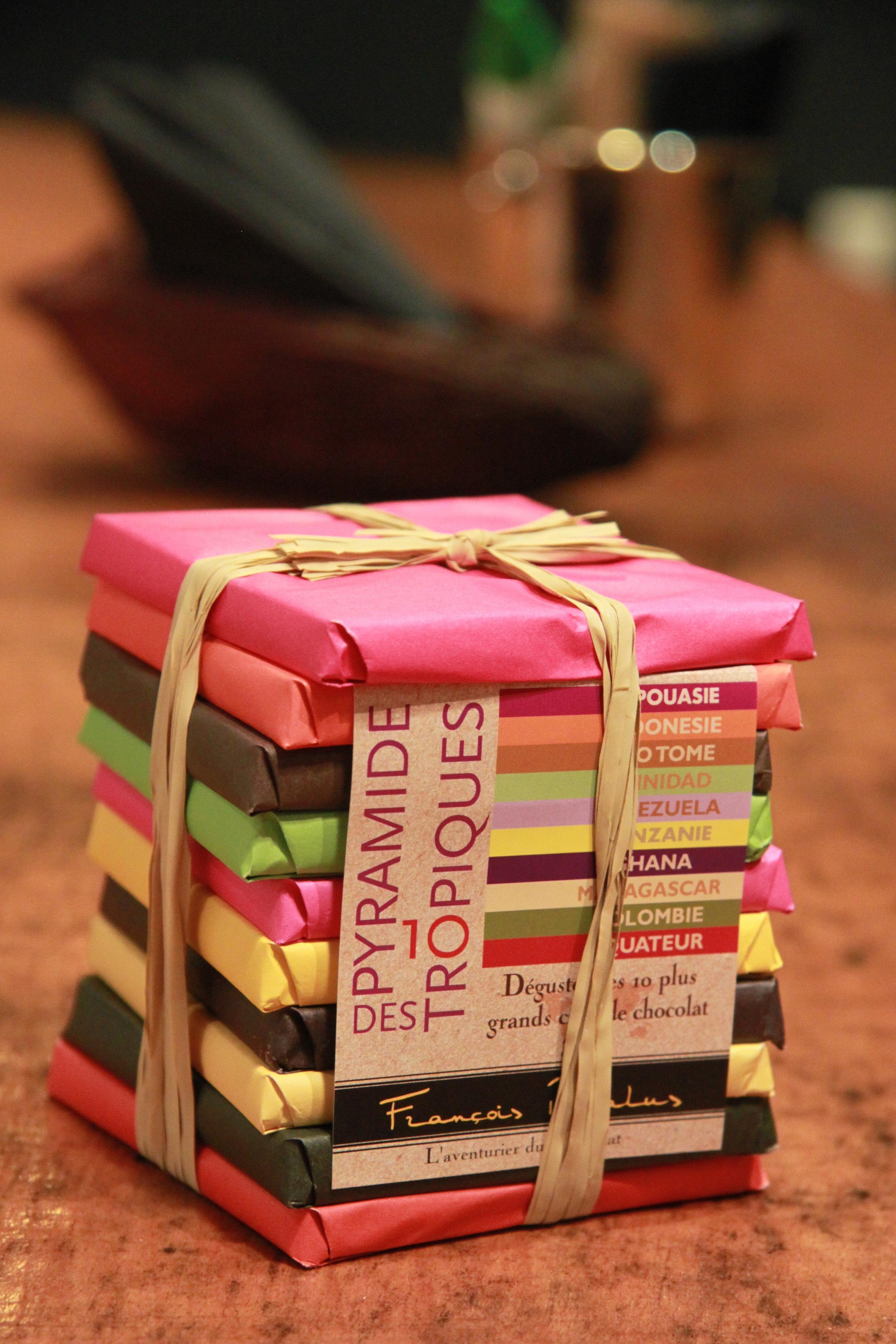シングルビーンの産地がちがう10枚のバーチョコレートのアソートメント、 François Pralus