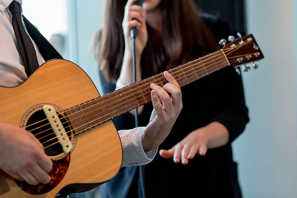 Manchester and Cheshire wedding music from soulful acoustic duo