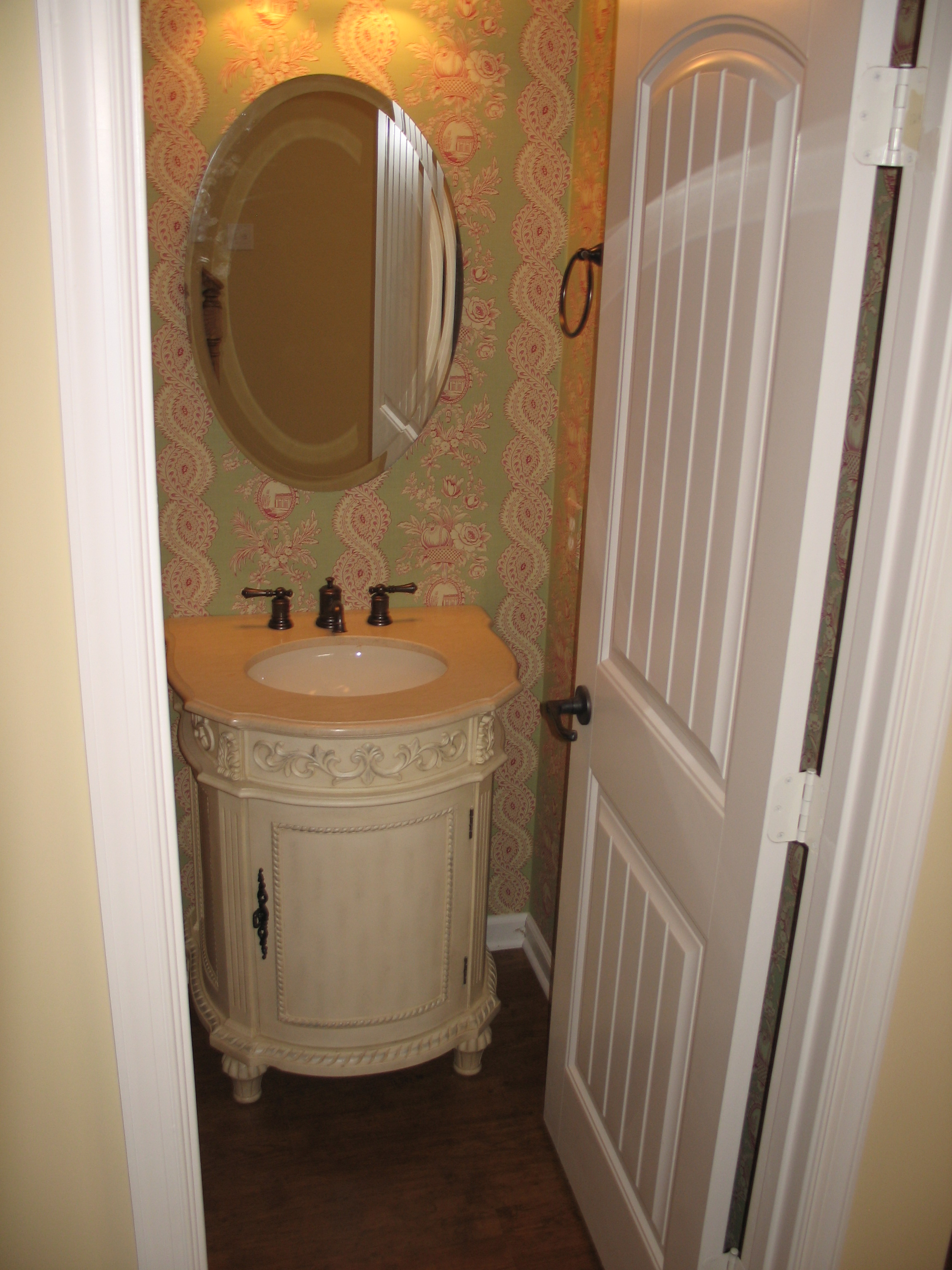 Farmington Lot 33  Powder Room.jpg