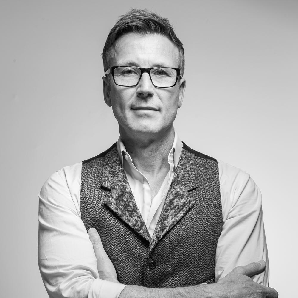 COLIN LONG / Managing Director