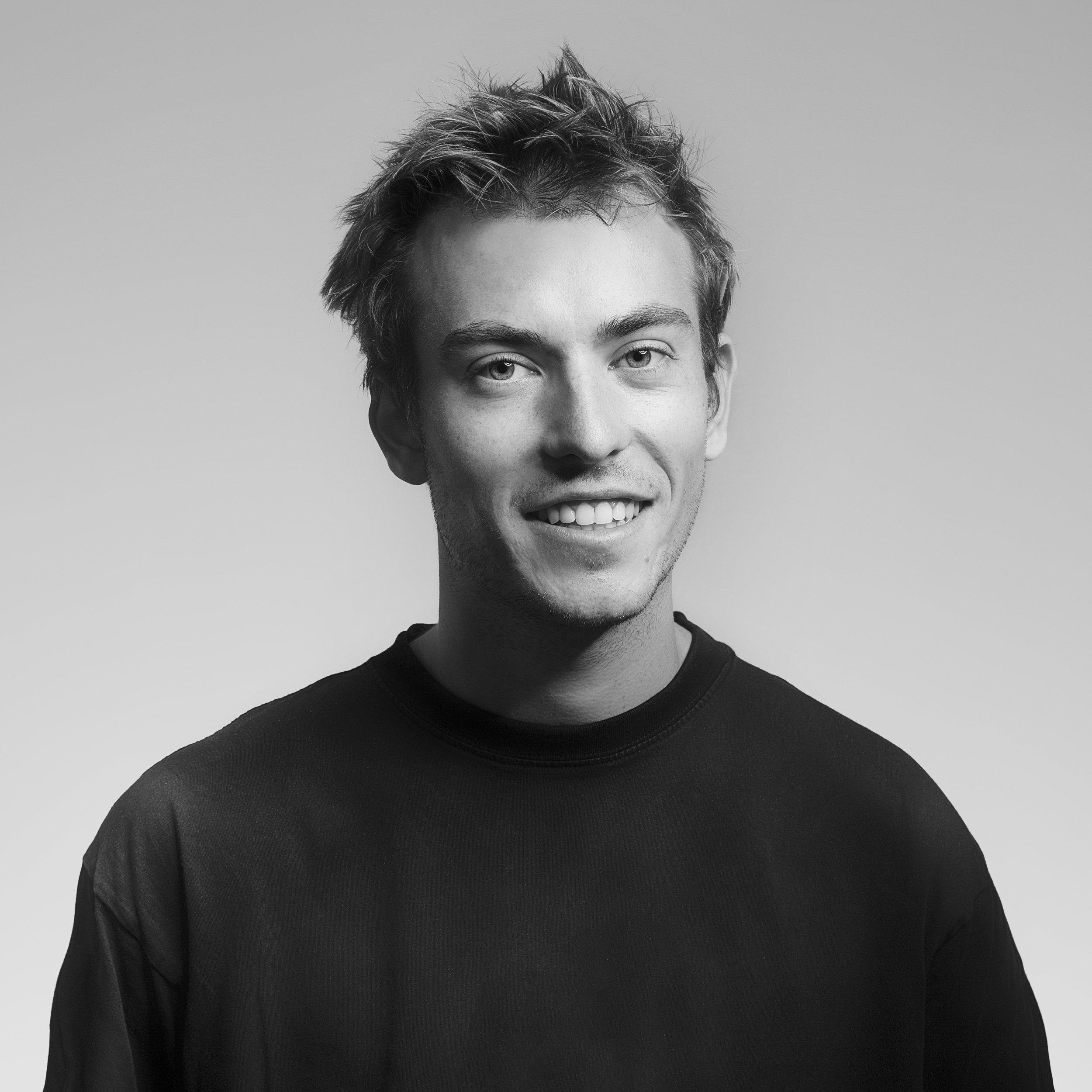 JAMES BYRT / Set Builder