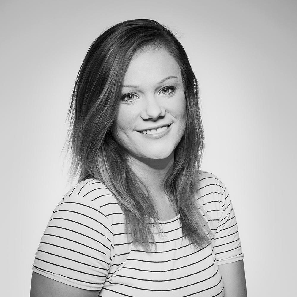 TINA HOEJVANG / Digital & Social Media Executive