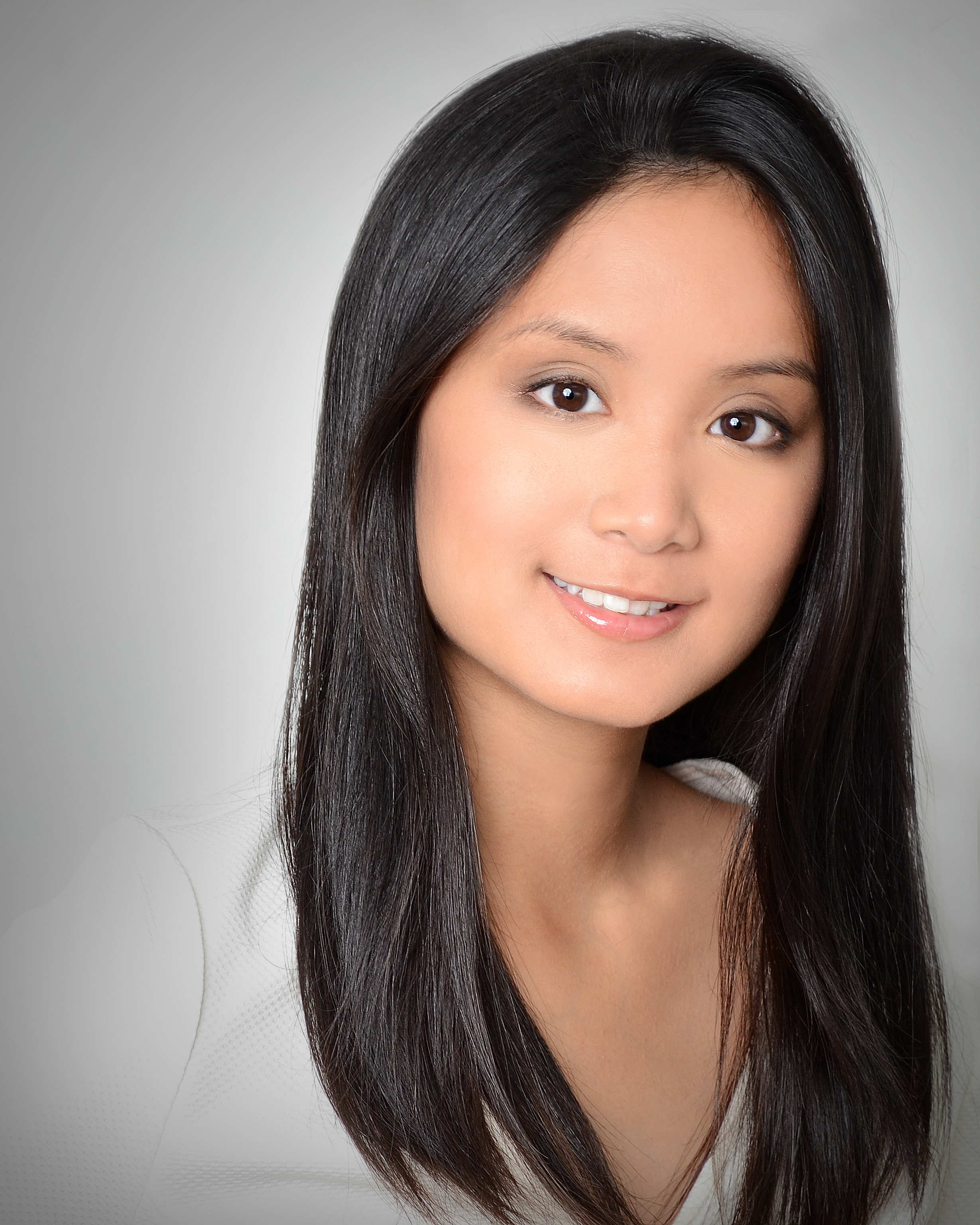 Maddie Bautista Headshot.jpg