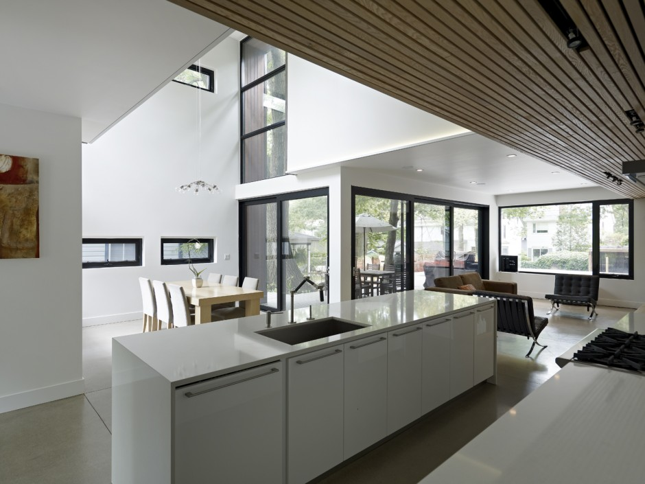 Beech-House-by-Altius-Architects-01-940x705.jpg