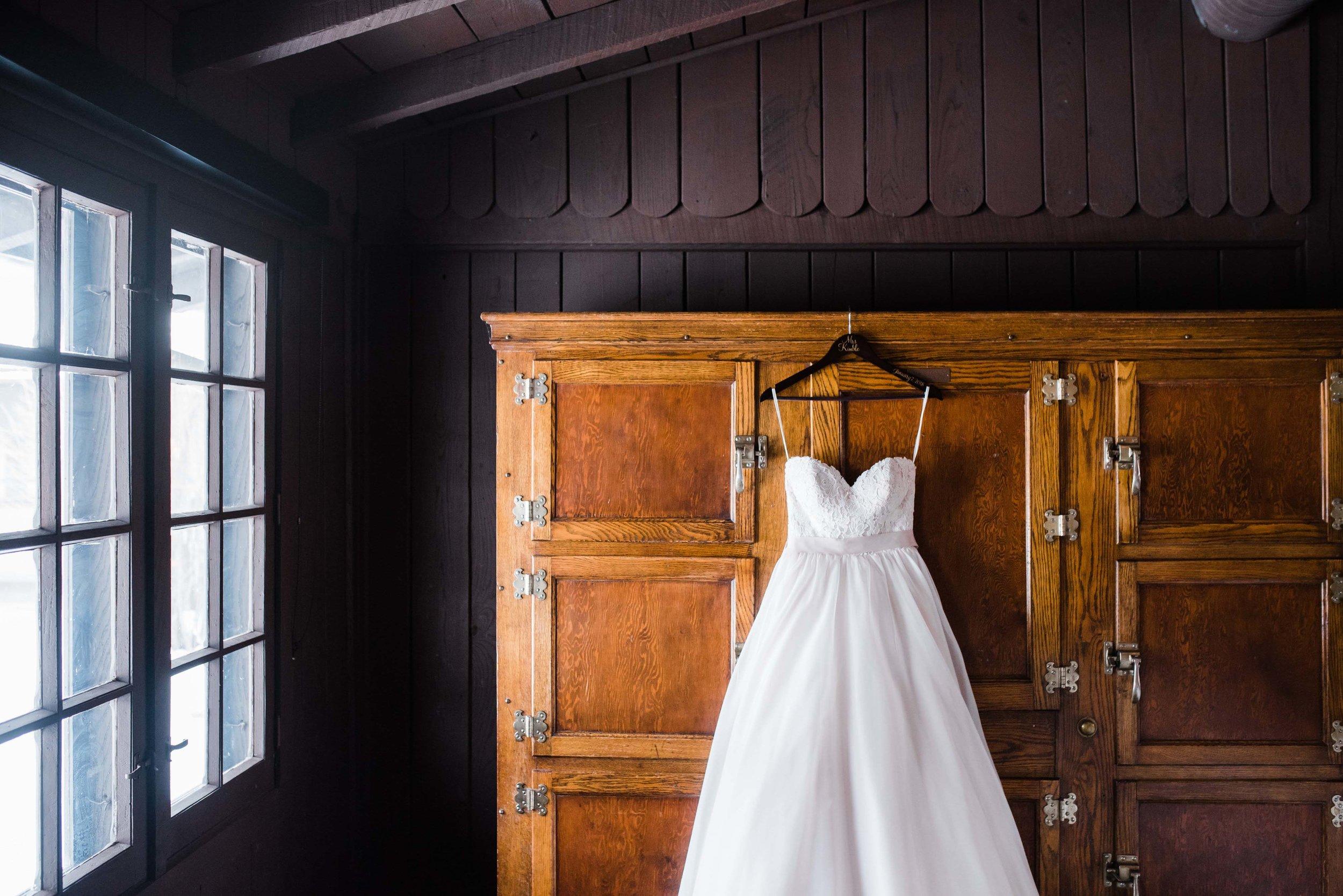 ohio wedding photographer cuyahoga happy days