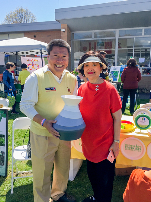 Yumi CEO Virginia P'an with State Senator Tony Hwang at Fairfield's Earth Day Celebration