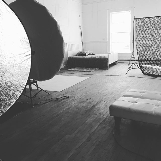 Im so excited to start setting up the studio...just patiently awaiting my heater because it was 46* in there this morning!! 😬❄️ This AZ girl needs some heat!! #idahome #idahophotographer #idahovideographer #boisevideographer #boisephotographers