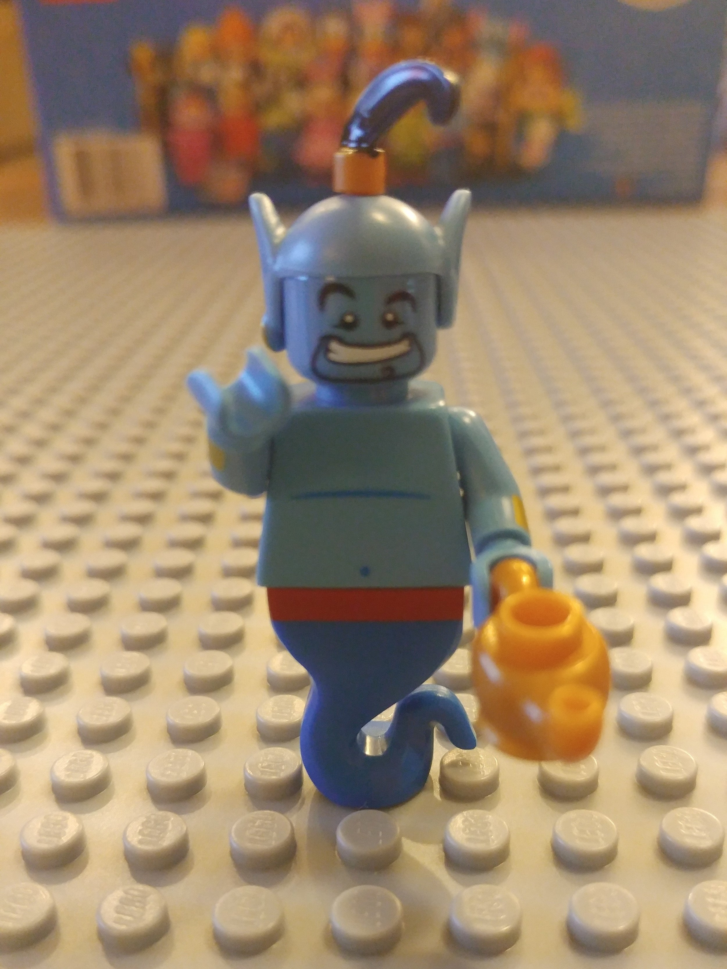 Genie Minifig Close Up - Front