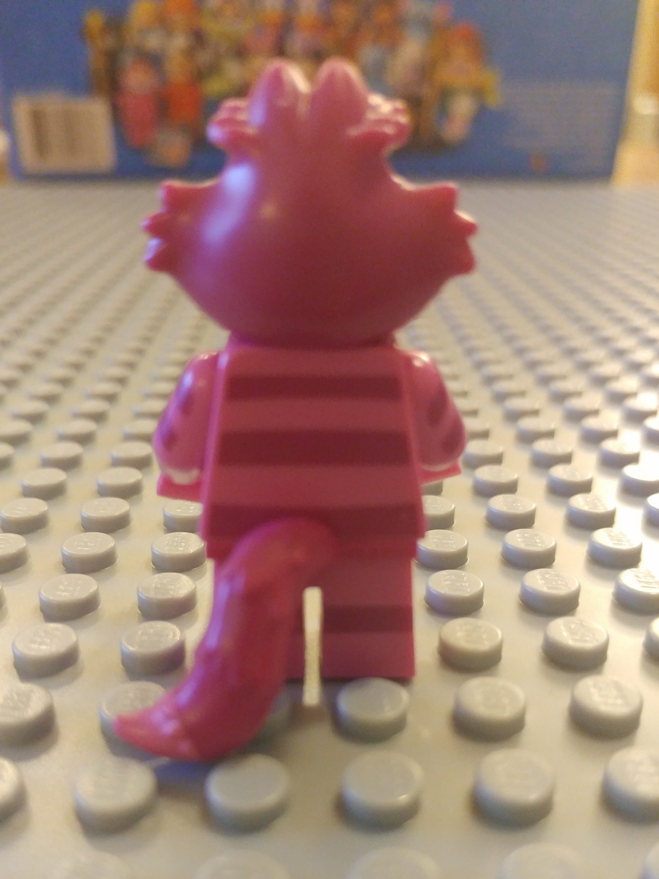 Cheshire Cat Minifig Close Up - Back