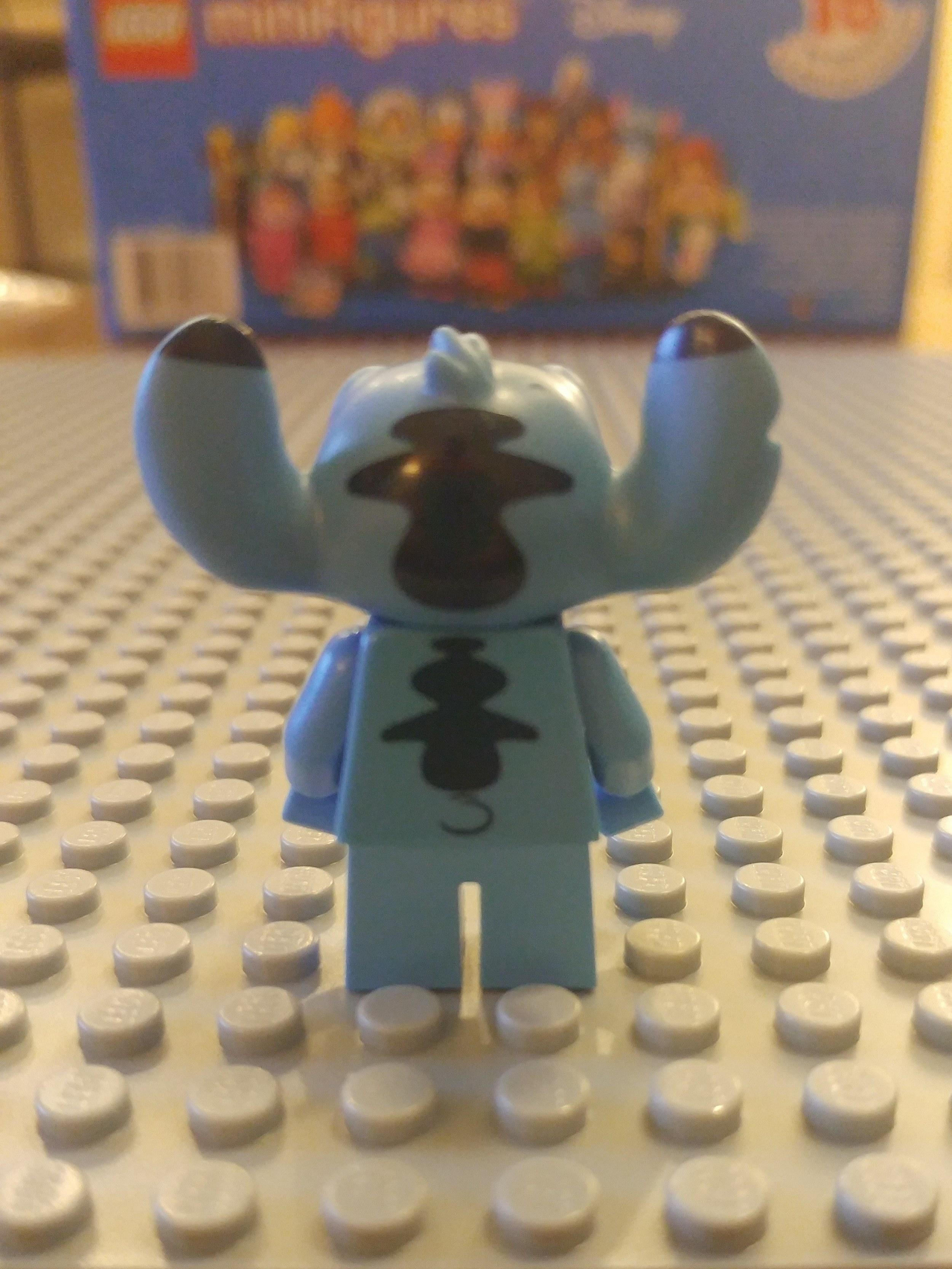 Stitch Minifig Close Up - Back