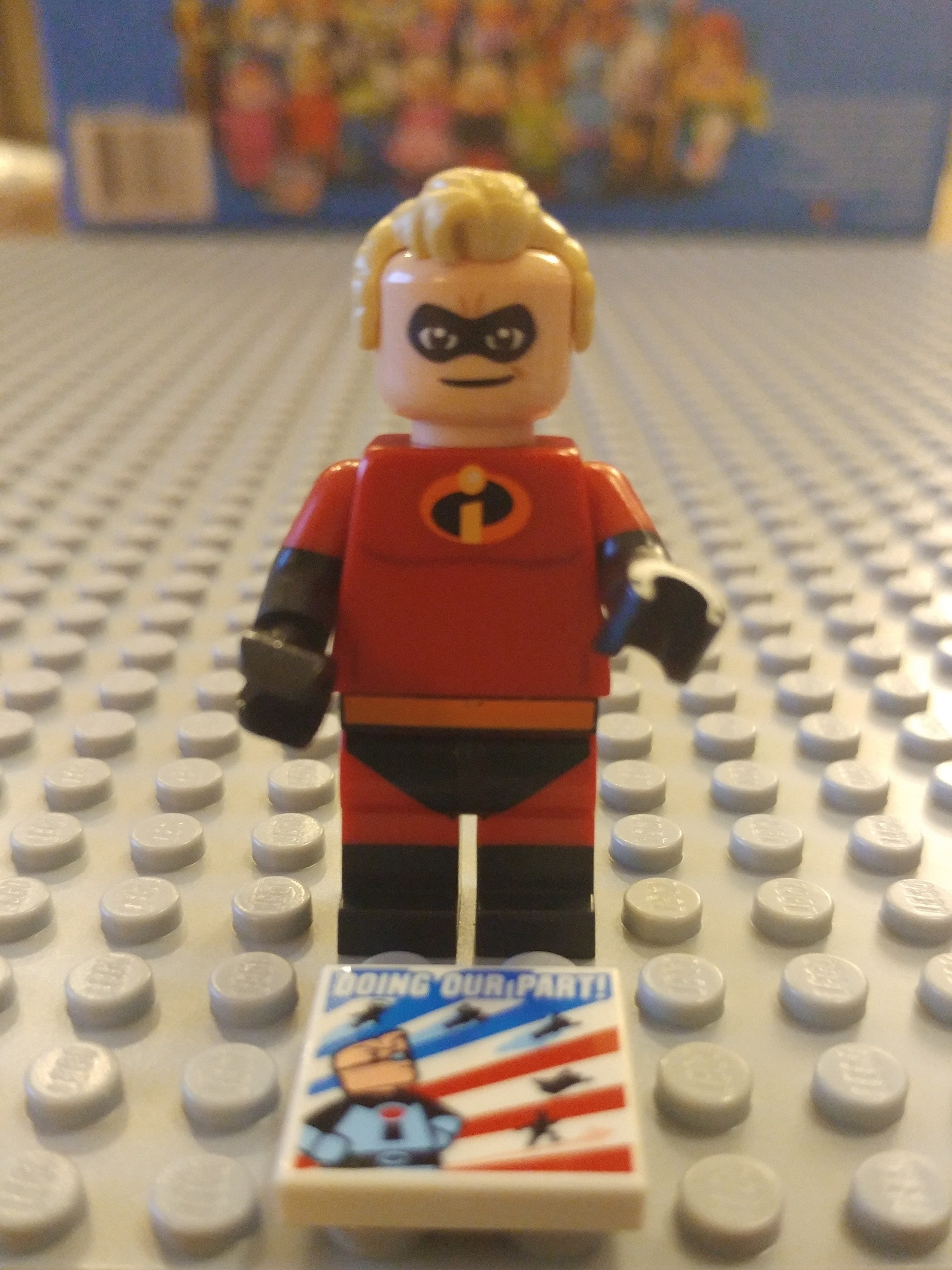 Mr Incredible Minifig Close Up - Front