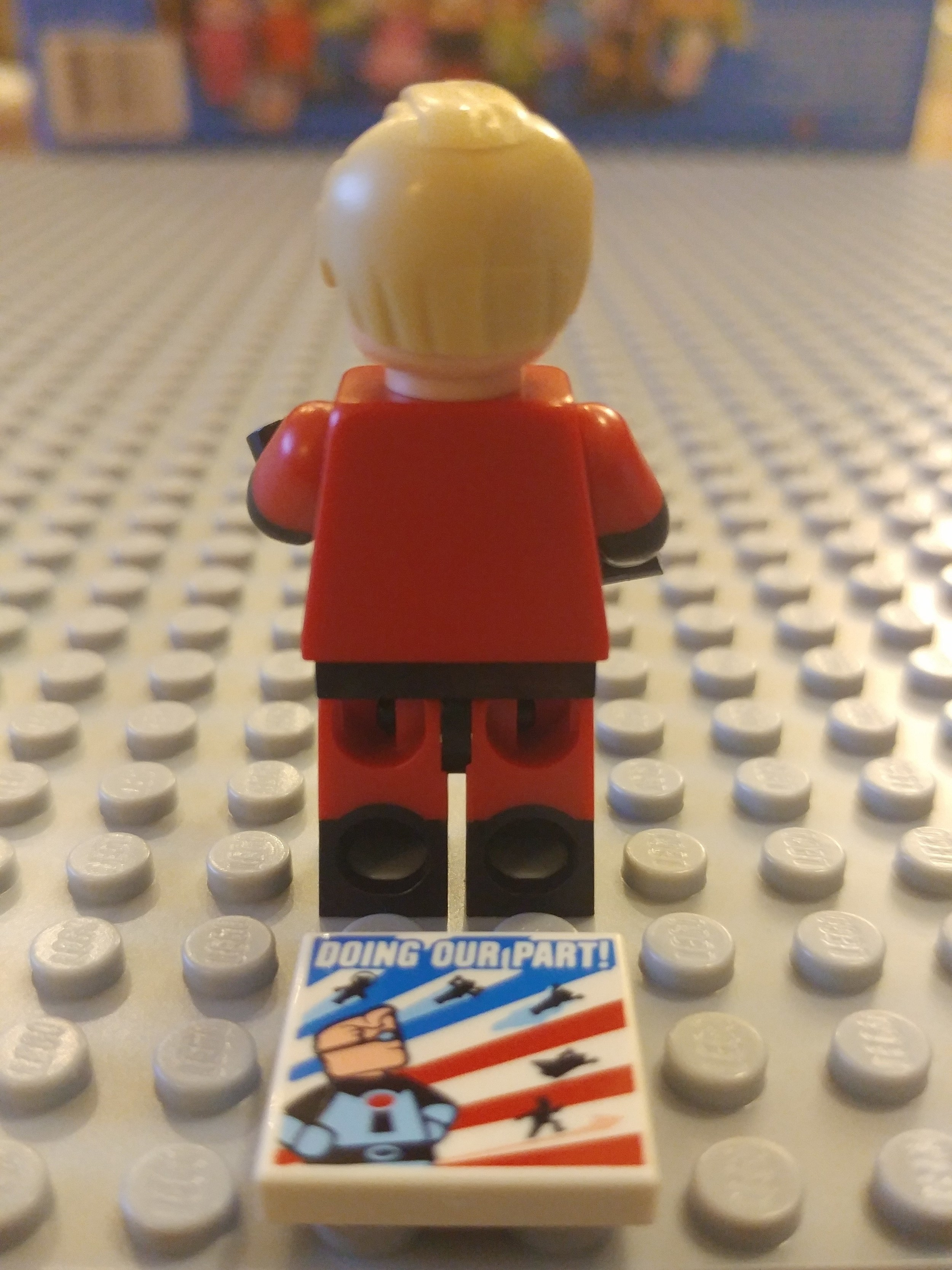 Mr Incredible Minifig Close Up - Back