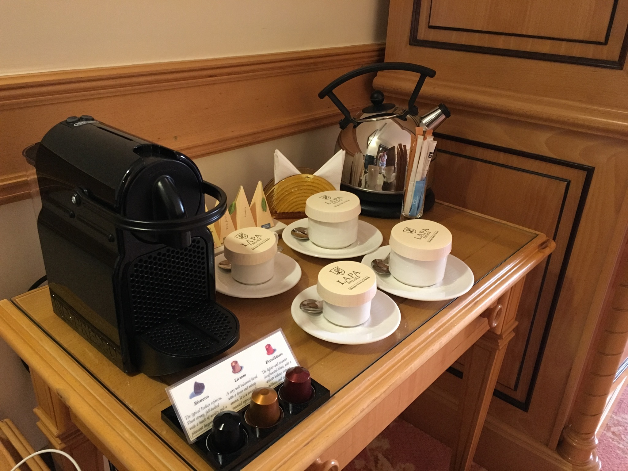 Olissippo Lapa Palace in-room coffee and tea