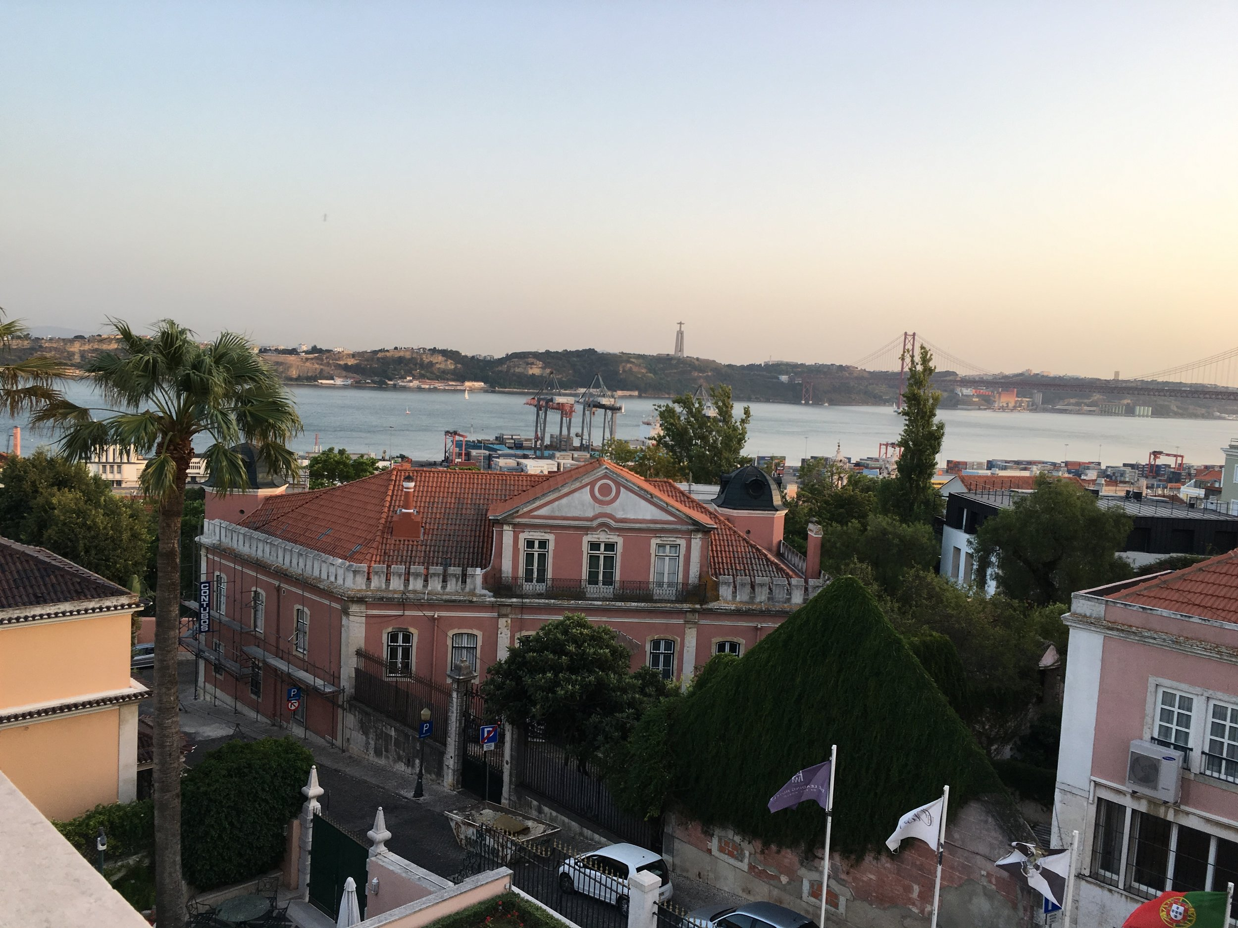 Olissippo Lapa Palace guest room river view