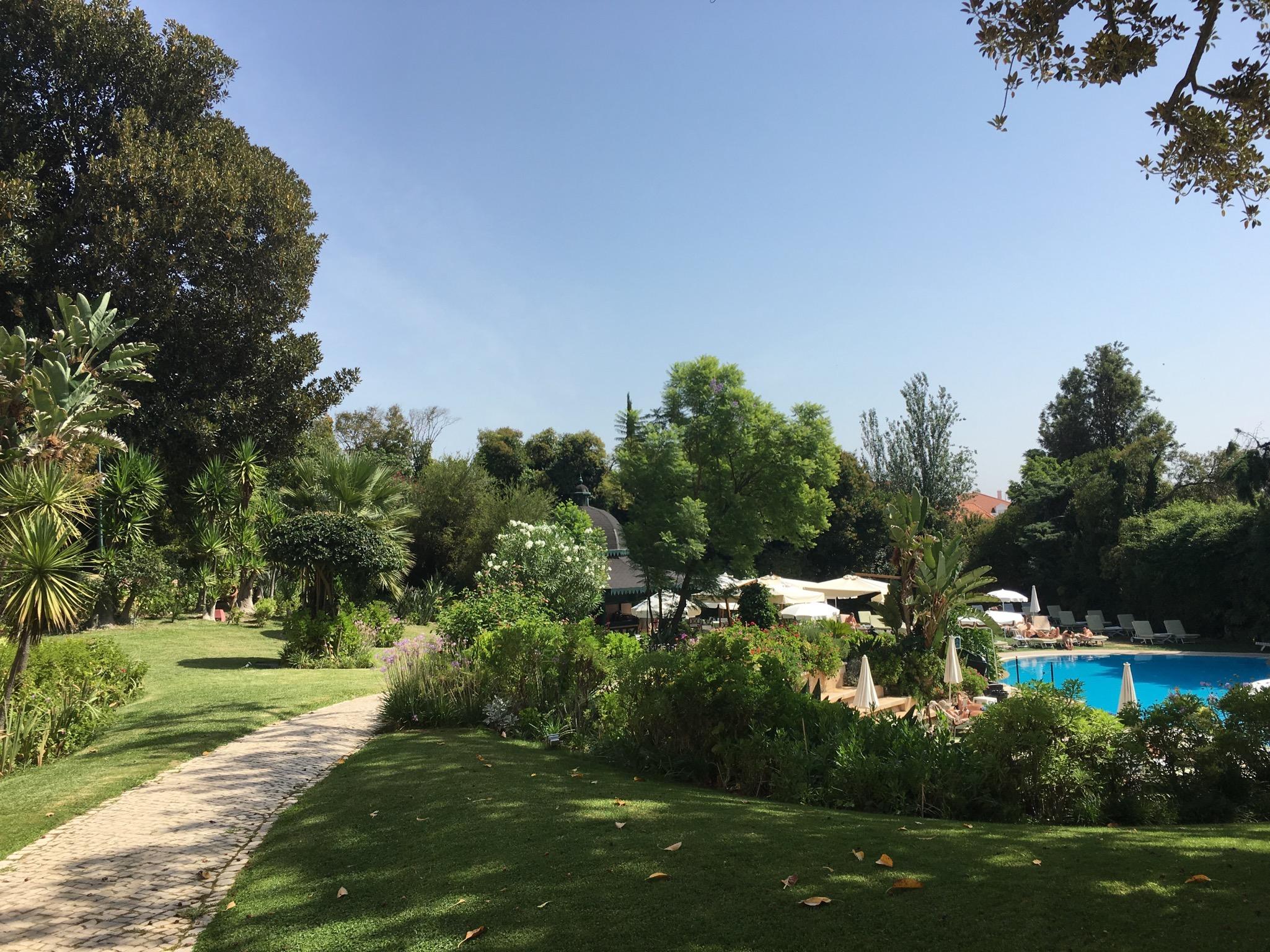 Olissippo Lapa Palace Pool entrance