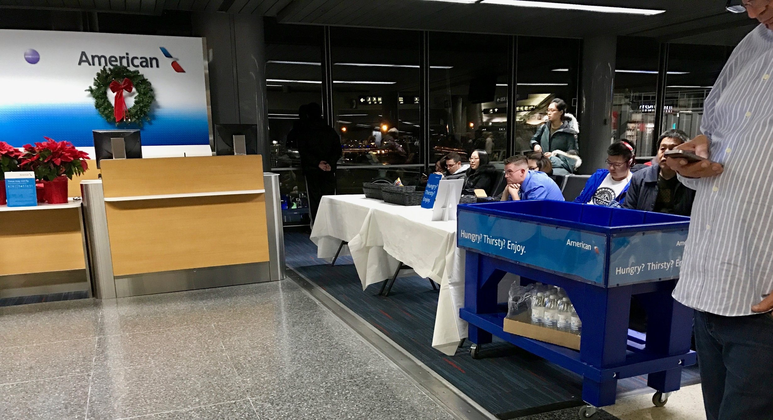 American Airlines ORD delay amenities at the gate