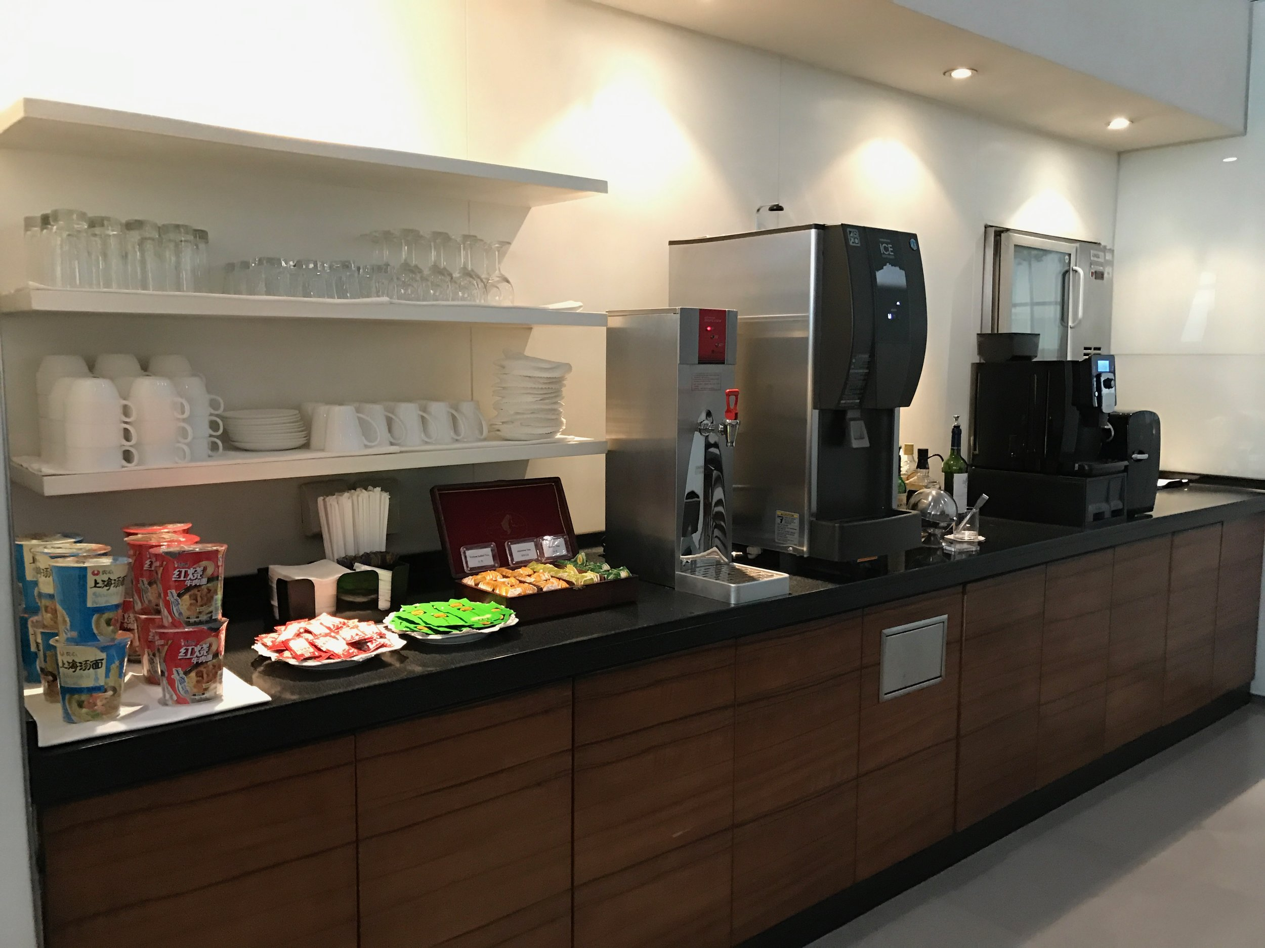 Secondary food and drink station at Cathay Pacific Lounge, Beijing Airport (PEK) T3E