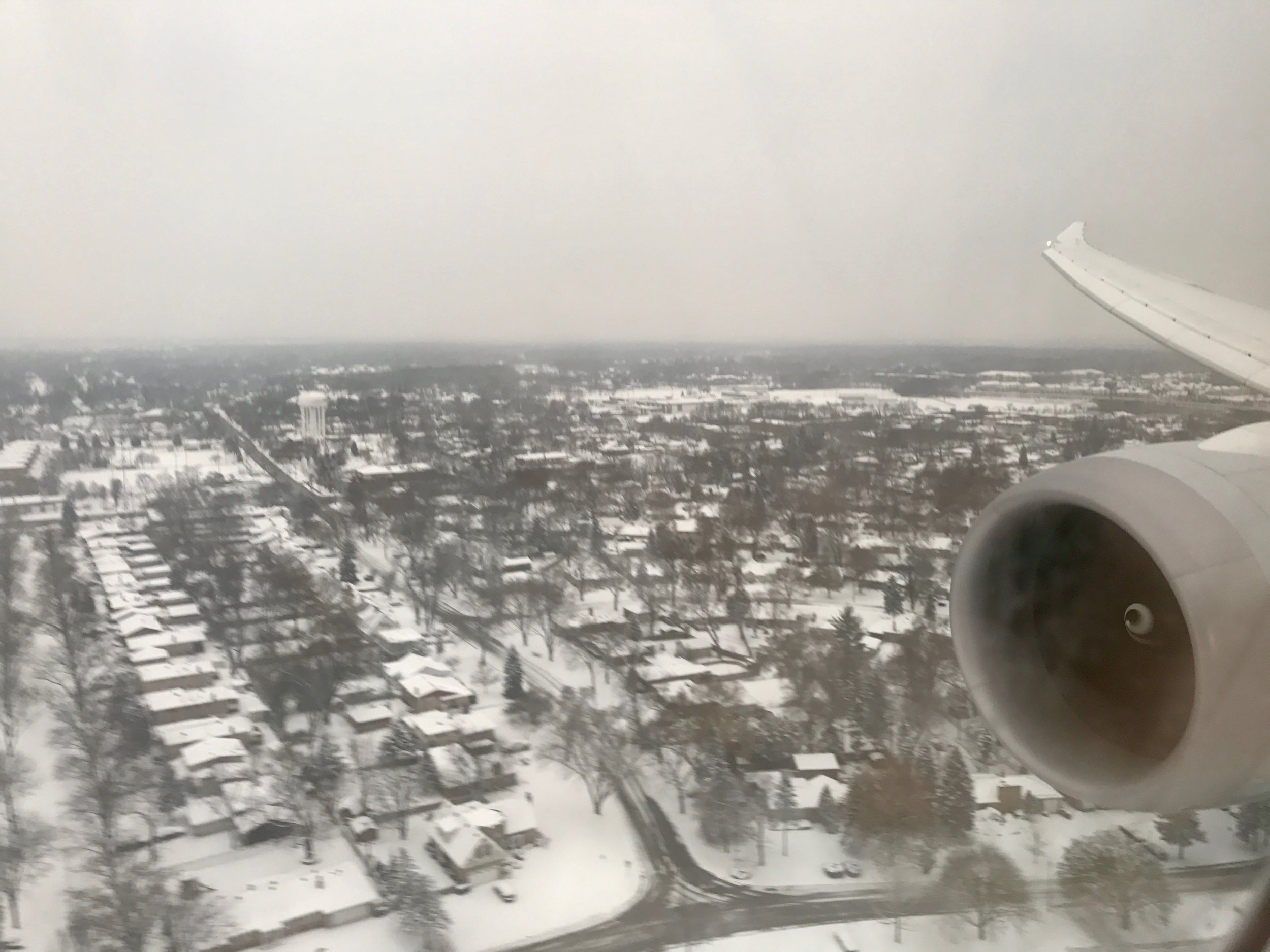 AA 186 landing in snowy Chicago