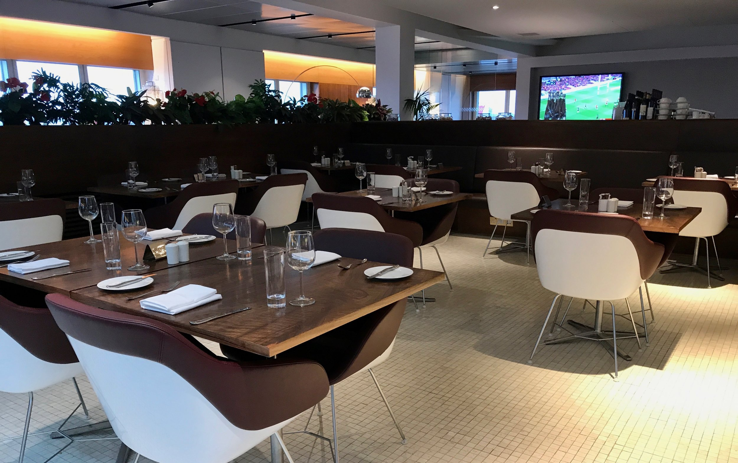 Virgin Atlantic Clubhouse Lounge London Heathrow LHR Airport - 23.jpg