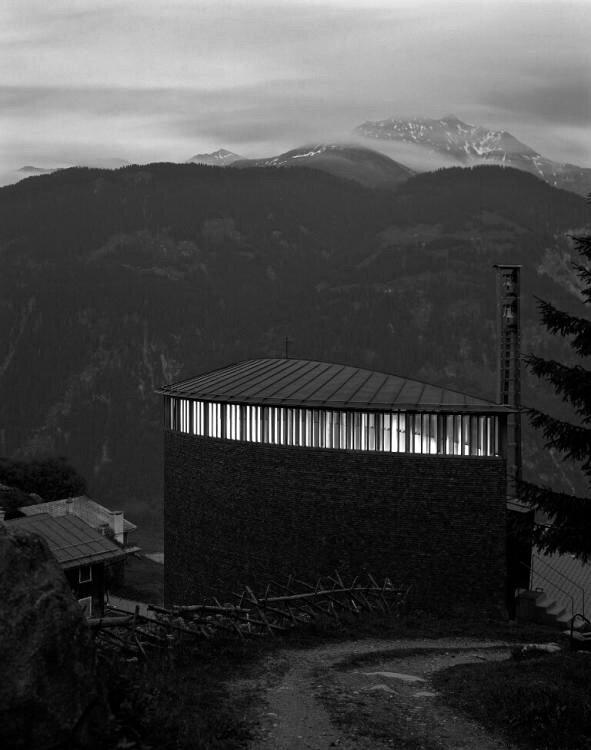 ARCHITECT    Peter Zumthor