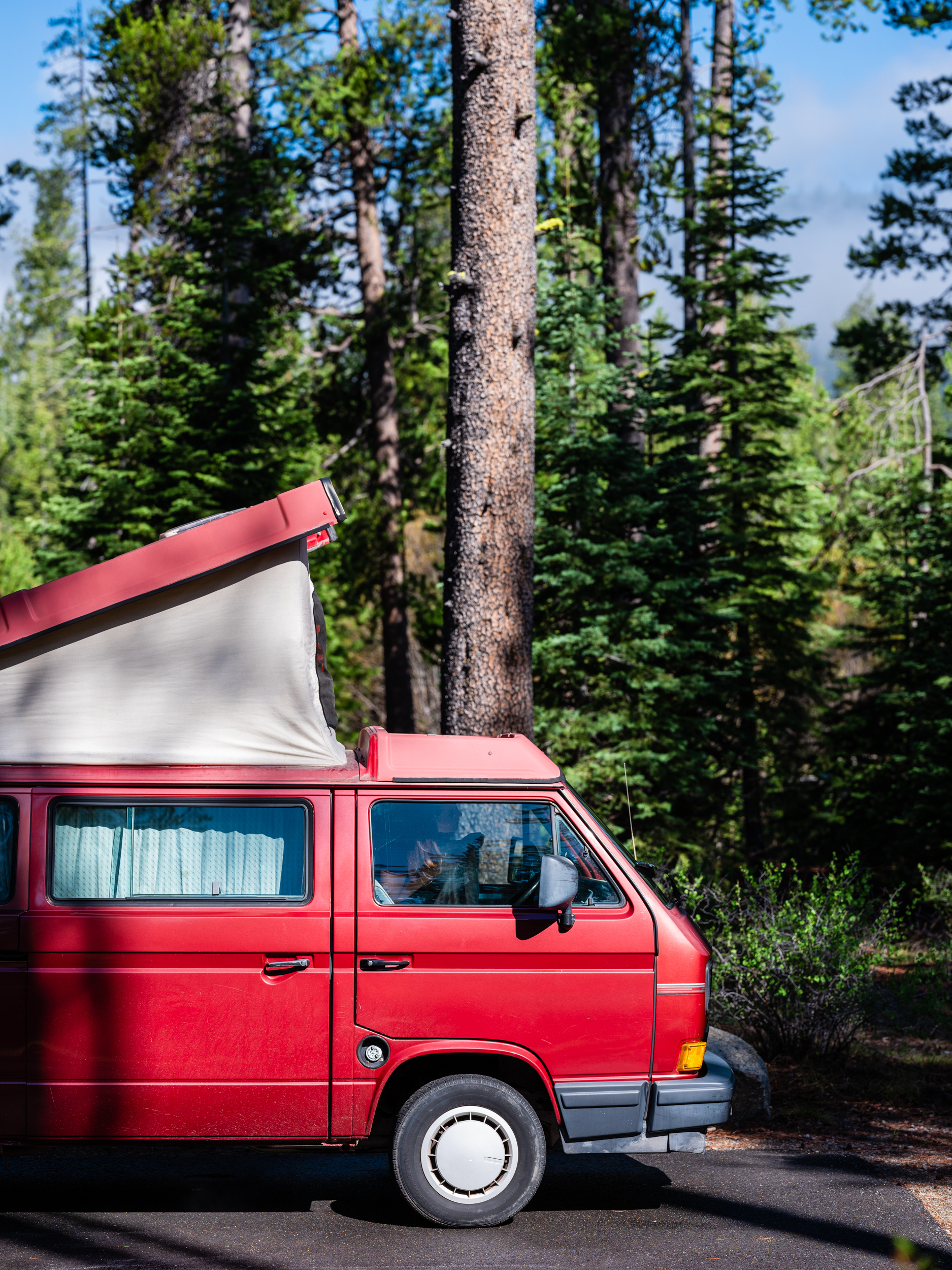 Westfalia_Donner_set_front of van-2.jpg