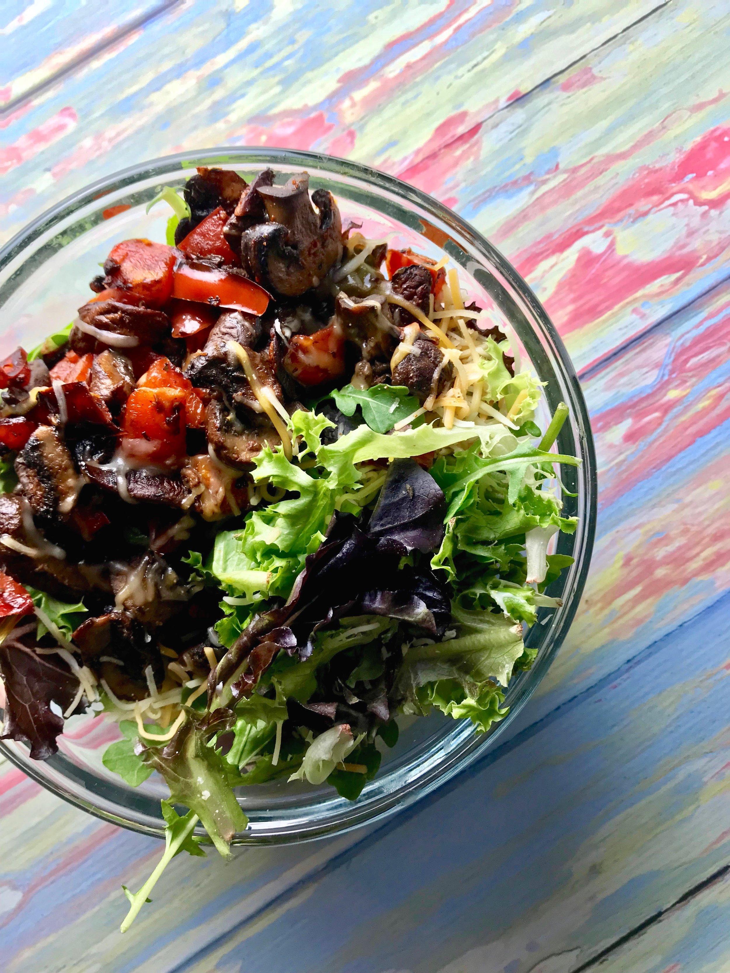 mushroom fajita salad
