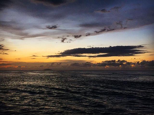 Sunset from the coast #puertorico #adventure #vacationpuertorico #vacation #beach #sunset #sunsetbeach #sunsethunter #sunrise_sunsets_aroundworld #puertoricobeach #puertorico2016🇵🇷 #wanderlust #wander #travel #travelphotography #wanderlusting #ocean #oceanbeach #rincon #rinconpr #quecheverepr