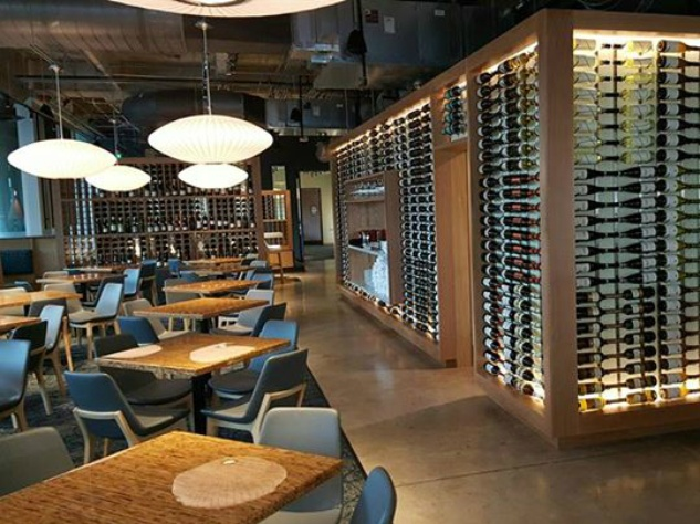 The-Grove-Wine-Bar-and-Kicthen-Austin-restaurant-downtown-location-interior-2015_135410.jpg