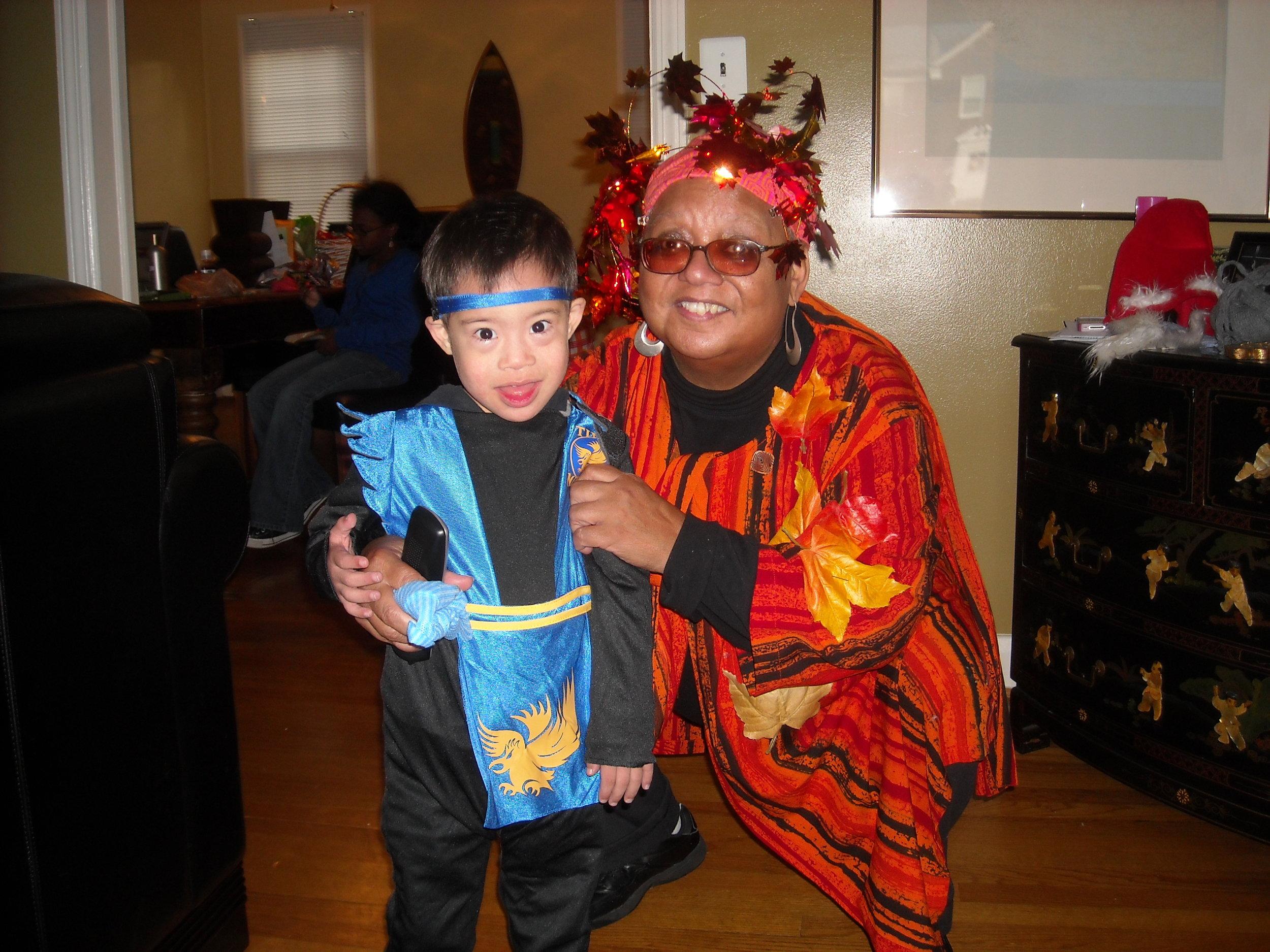 Nikya Green - photo2 Sandi her mom at Halloween party.JPG