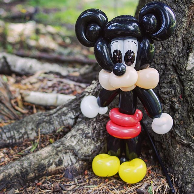 A little mouse friend for a party today. #balloonart #tuttiballooncreations
