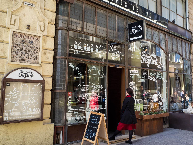Cserpes Tejivo Cafe, Budapest.