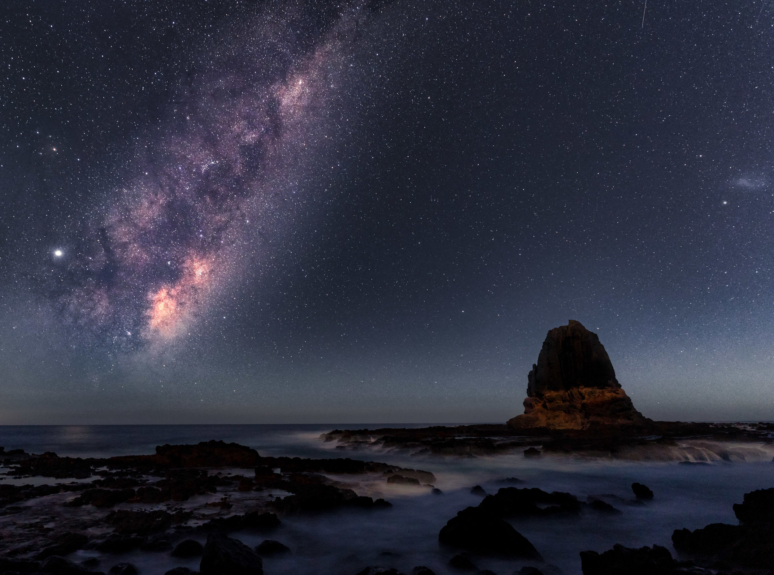 Pulpit Rock on the Mornington Peninsula is the perfect accompaniment to the Milky Way Core.
