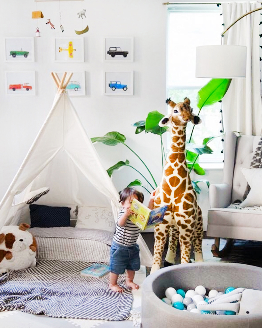 playroom-decor.jpg