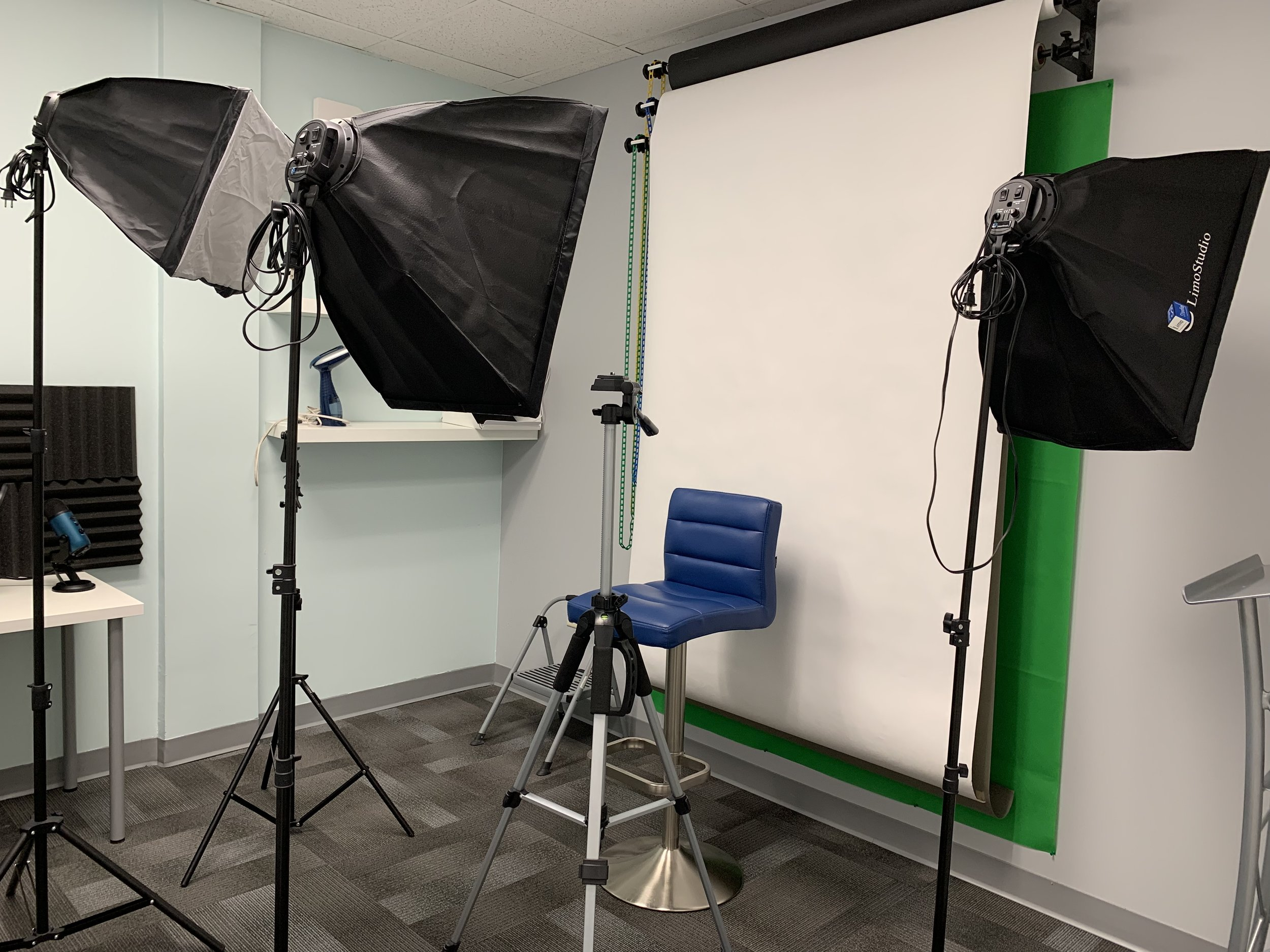 Professional Lighting, Backdrops, Green Screen