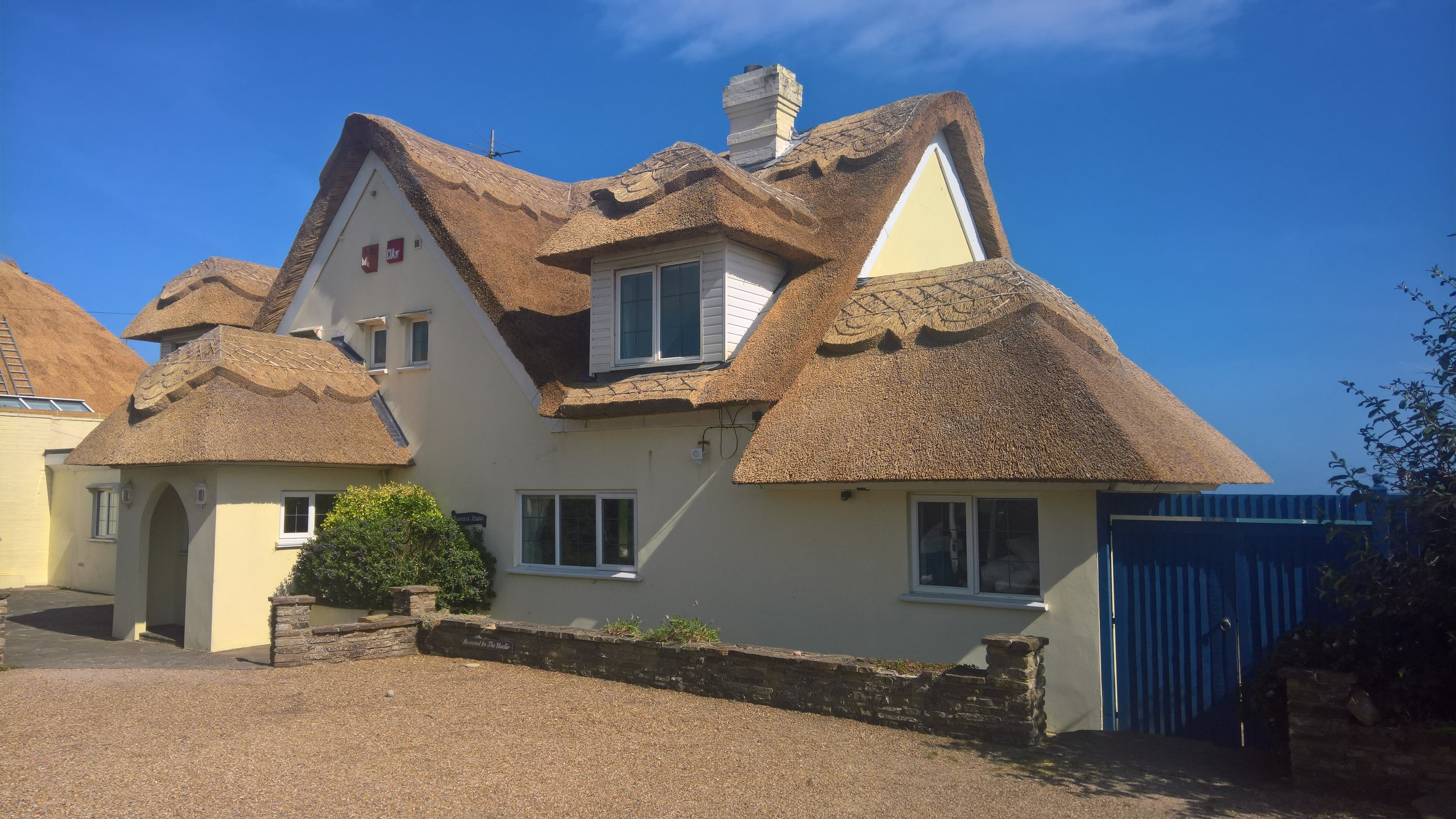 west sussex thatched house