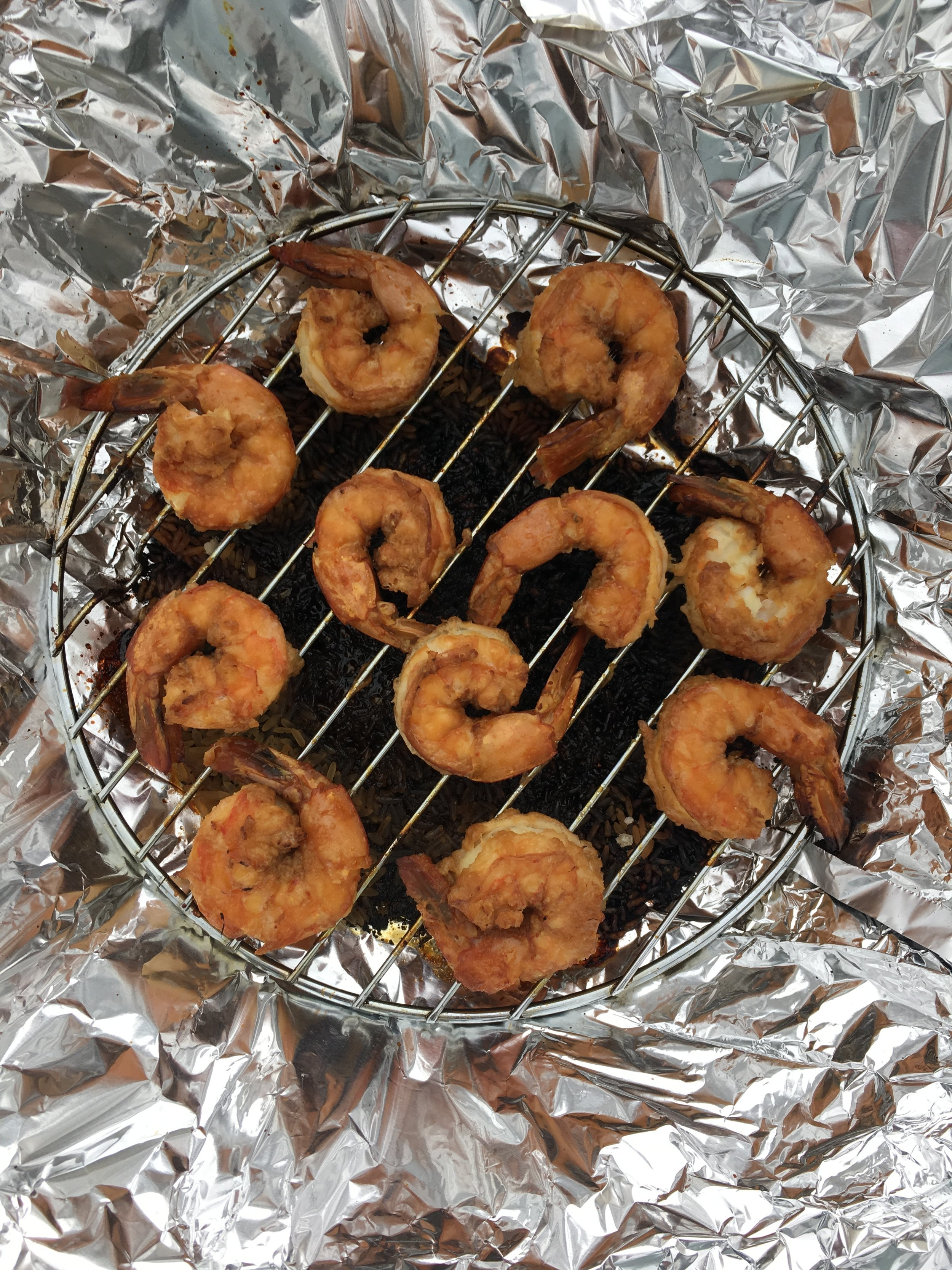 After just 10 minutes you have delicious smoked shrimp!