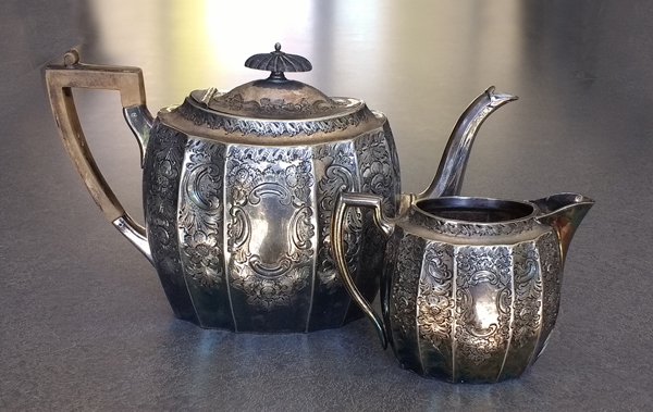silverplate-teapot-creamer-tarnished
