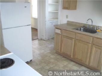 956 Clark Kitchen - before
