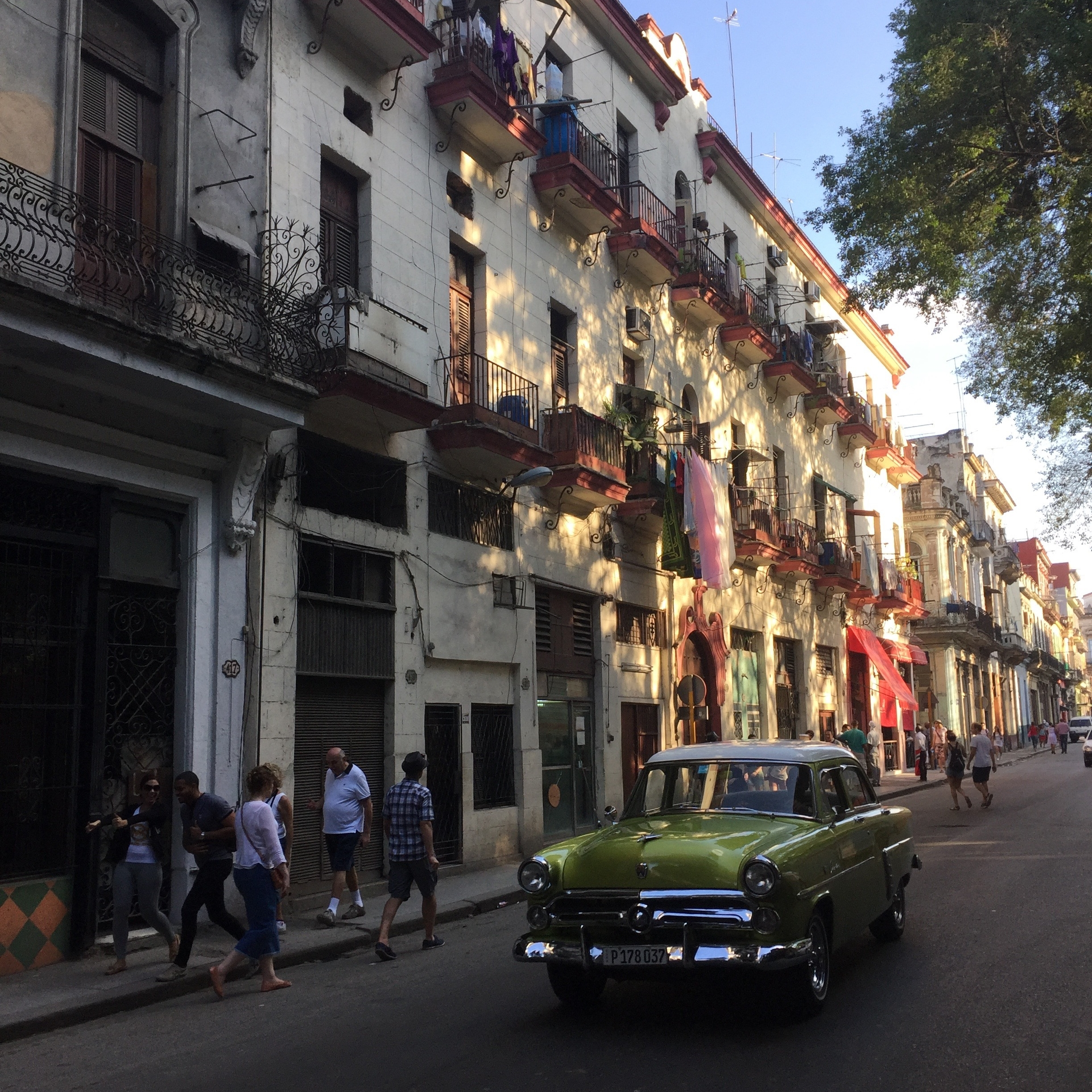 Cars in Havana by Eleanor Currier for The Doubtful Traveller